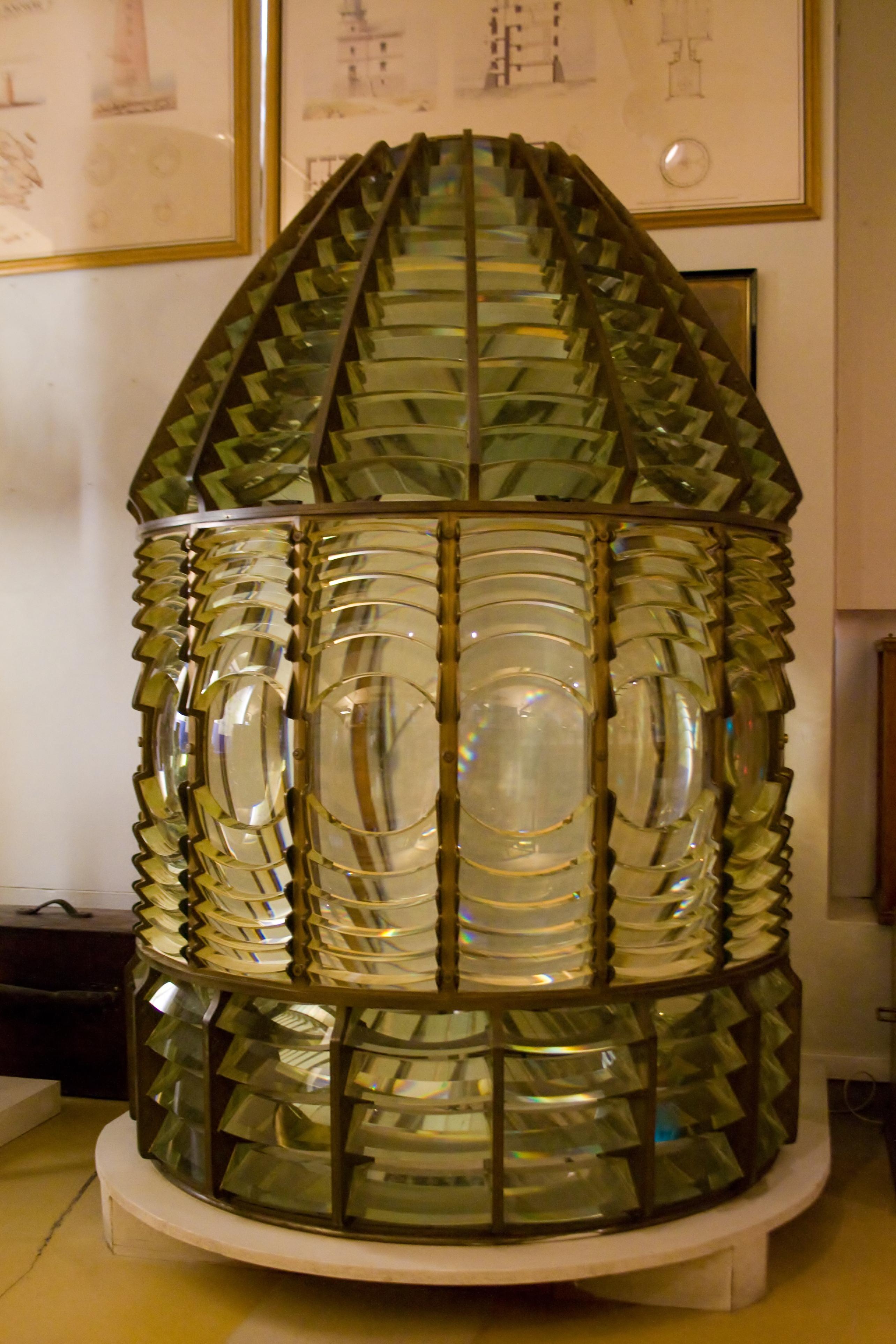 file mus e maritime de marihamn phare lentille de wikimedia commons. Black Bedroom Furniture Sets. Home Design Ideas