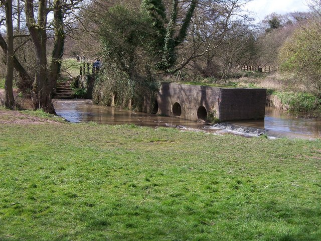 Mystery brickwork-River Arrow - geograph.org.uk - 744360