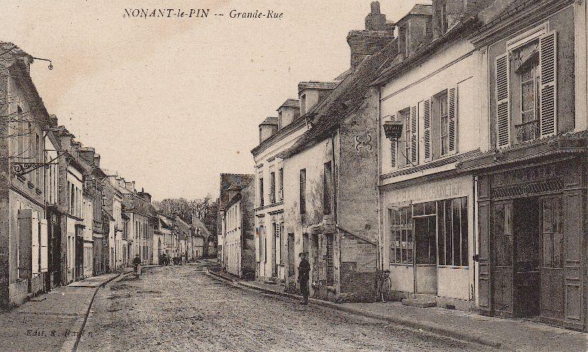 La Grande-Rue à Nonant-le-Pin