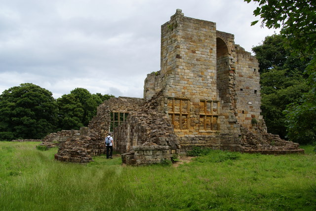 Old Mulgrave Castle - geograph.org.uk - 1626010