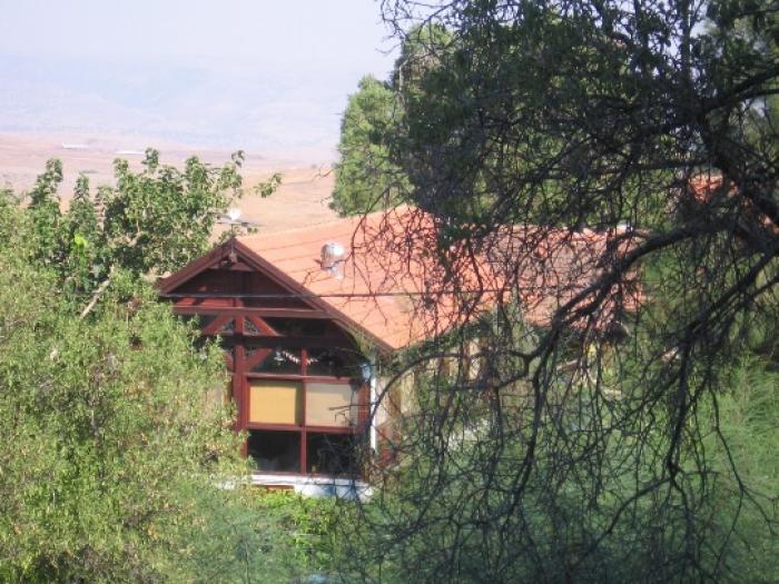 בית בחורש