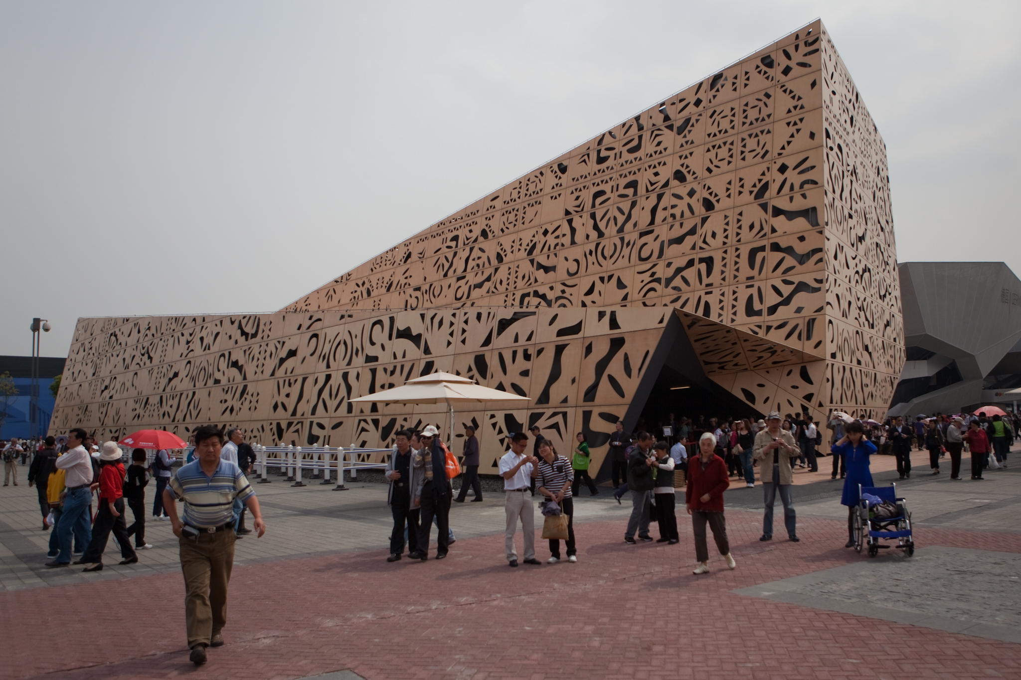 File:Poland\u0027s Pavillion at the 2010 World Expo in Shanghai.jpg ...