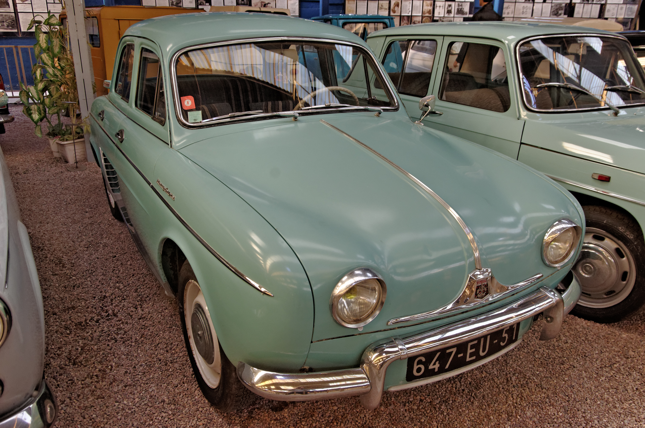 Renault dauphine 1961