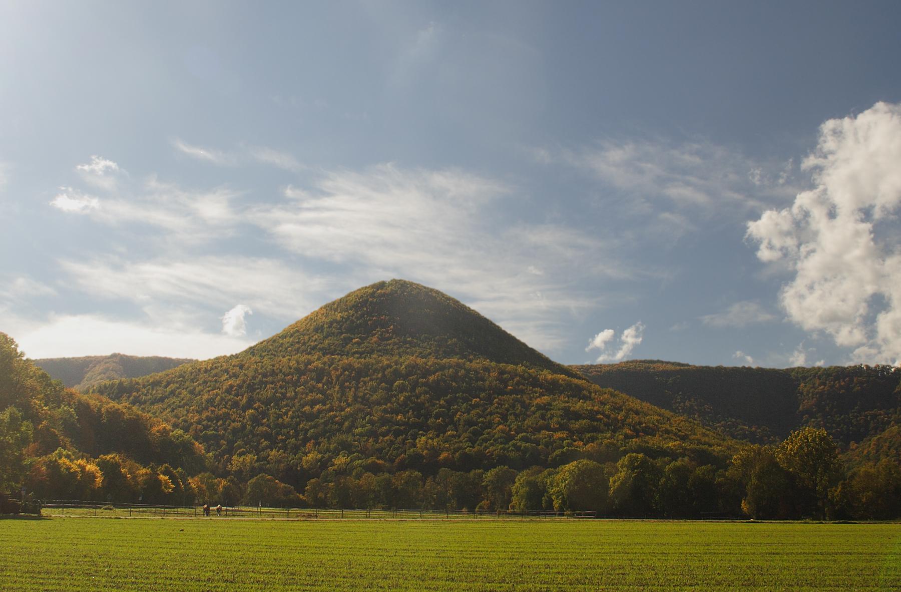 File:Runder Berg.JPG - Wikimedia Commons