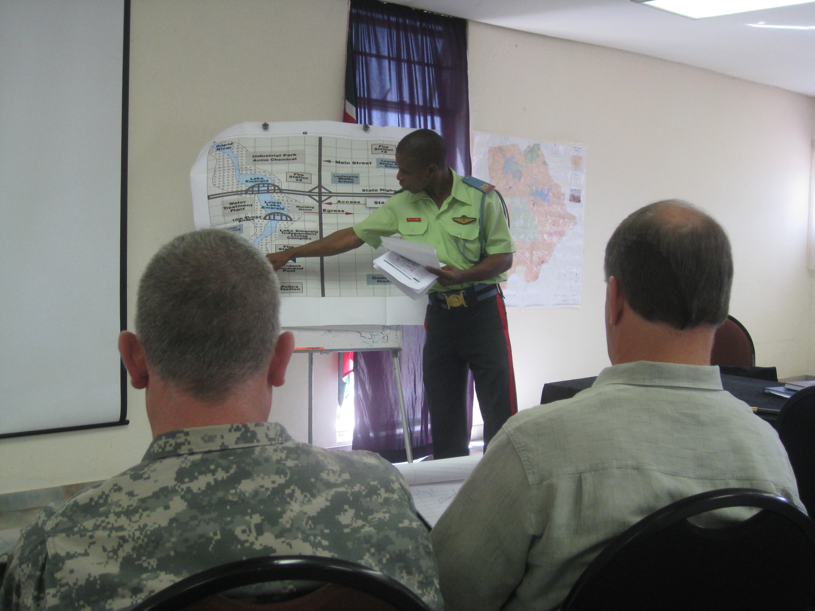 File:Soldiers and civilians complete disaster management workshop in