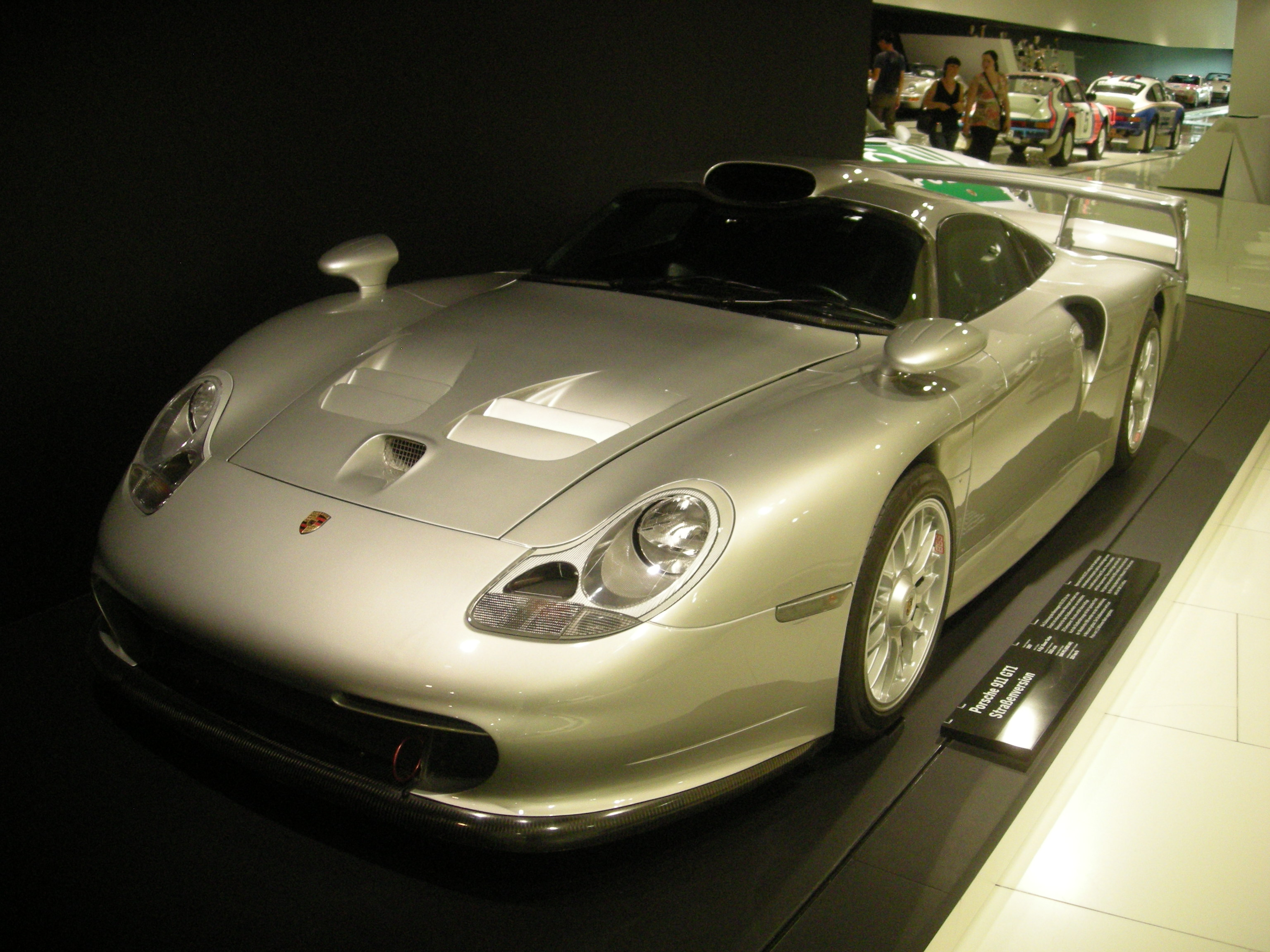 file stuttgart jul 2012 65 porsche museum 1997 porsche 911 gt1 stra envers. Black Bedroom Furniture Sets. Home Design Ideas