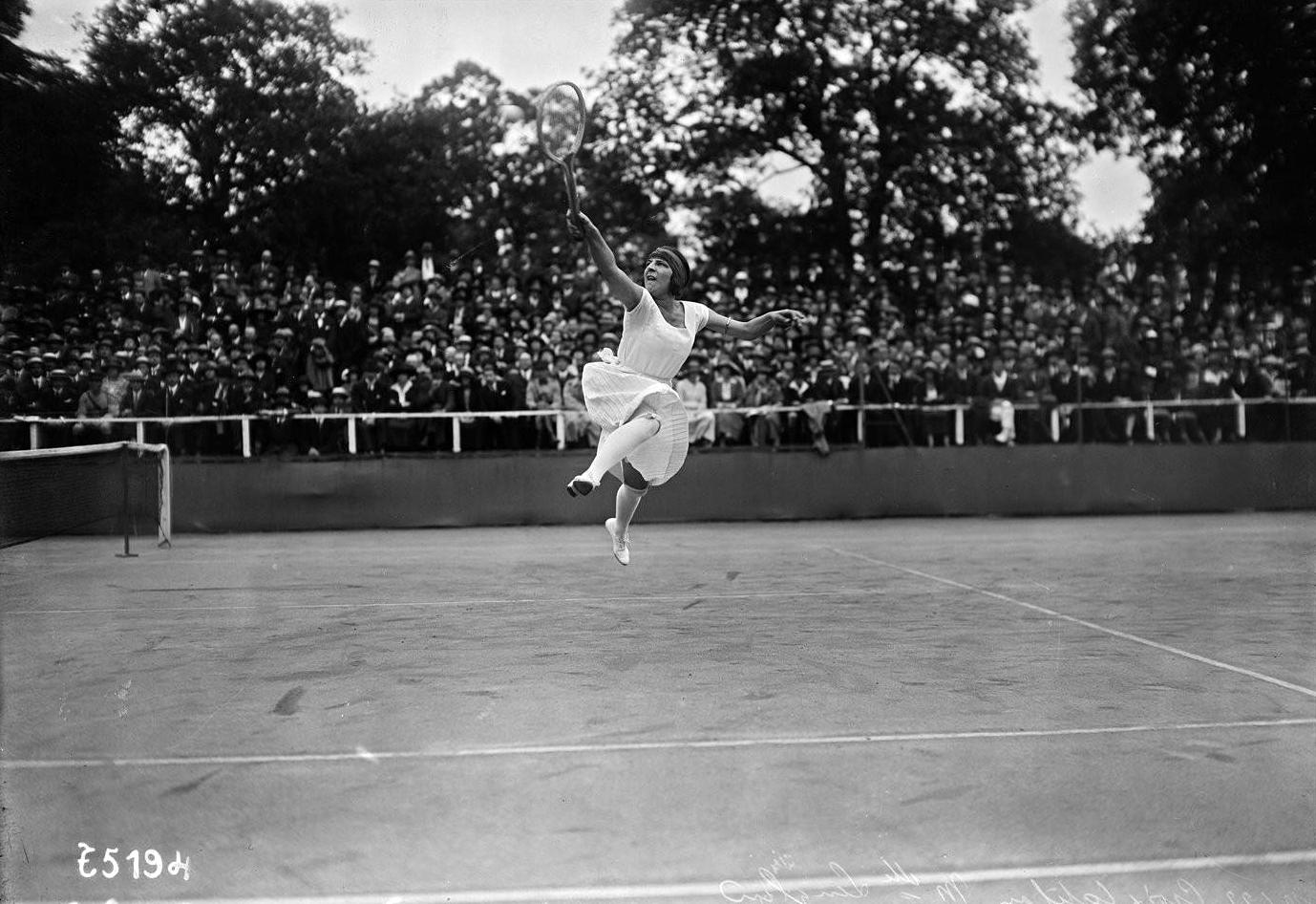 File Suzanne Lenglen 1922 Wikimedia mons
