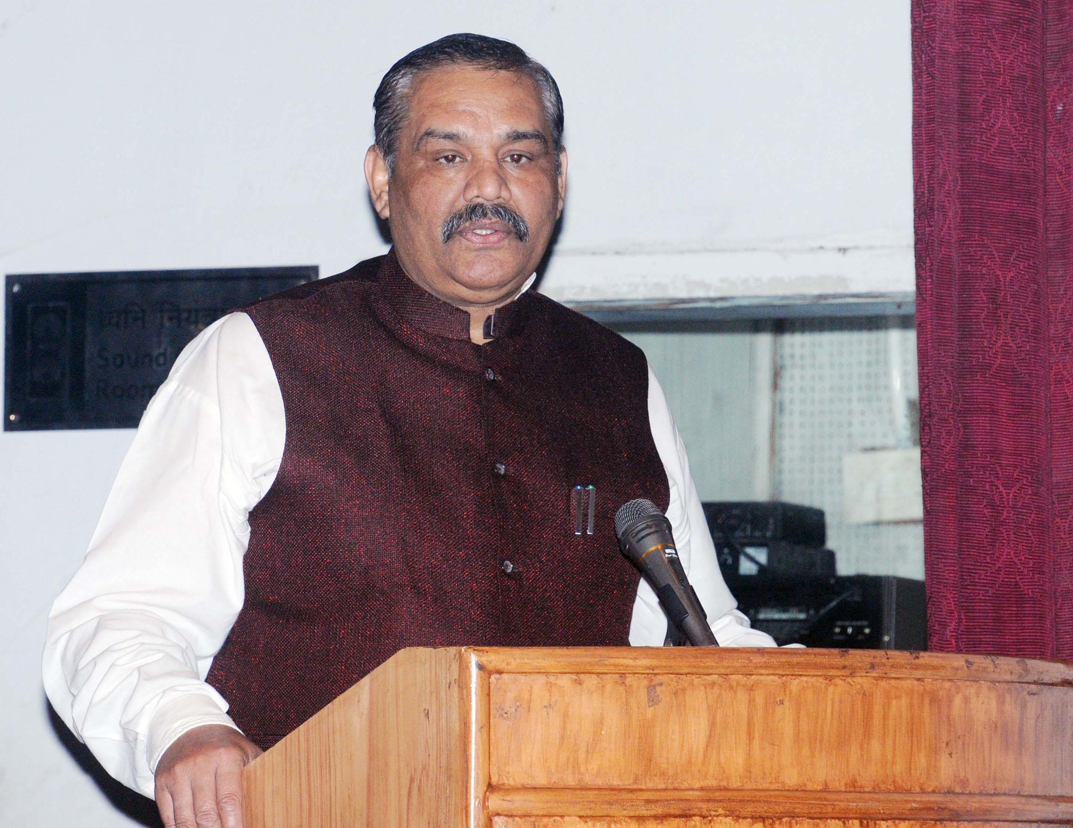 Vijay Sampla - Wikipedia