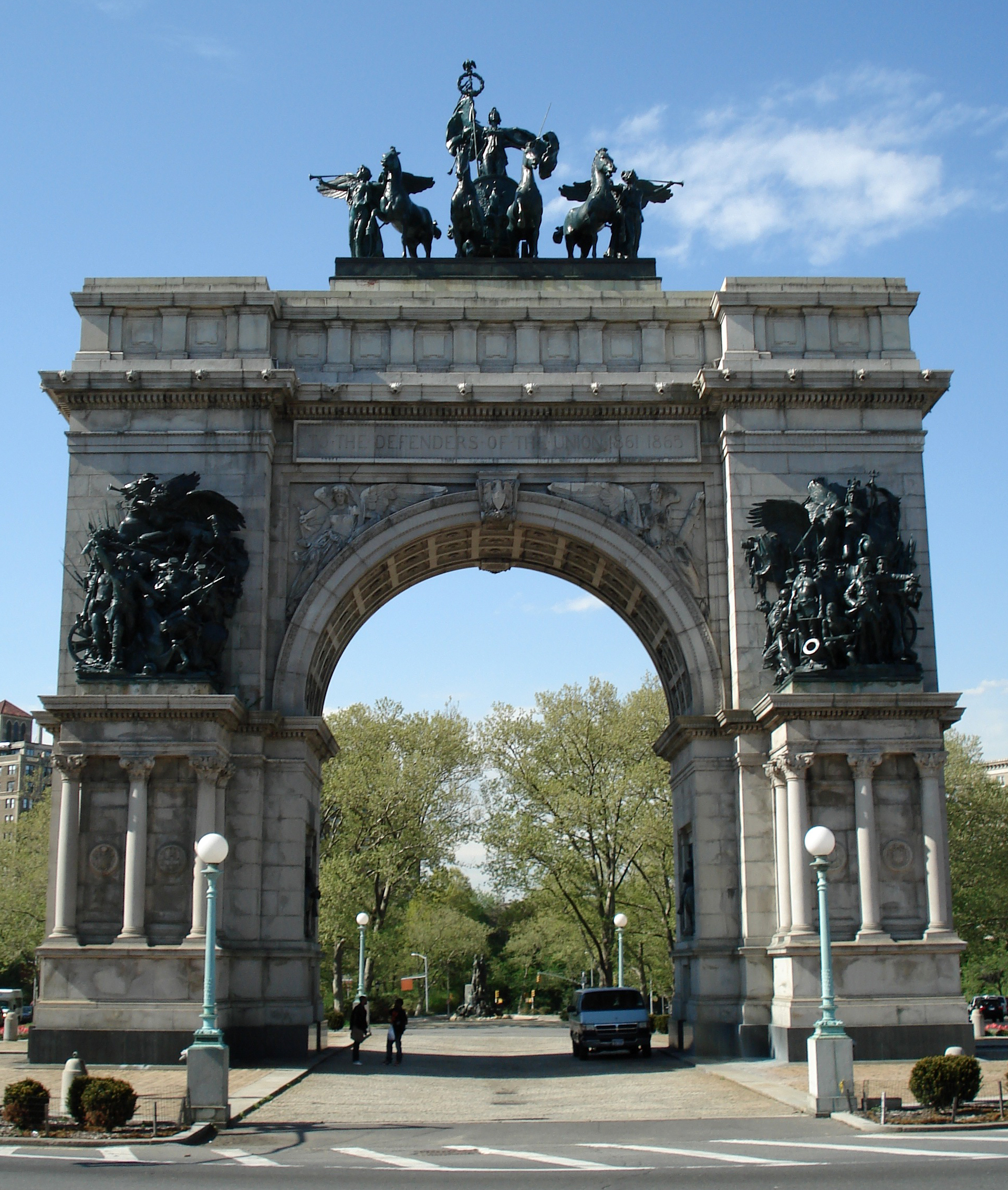 File the soldiers and sailors memorial arch at grand army for Architecture celebre
