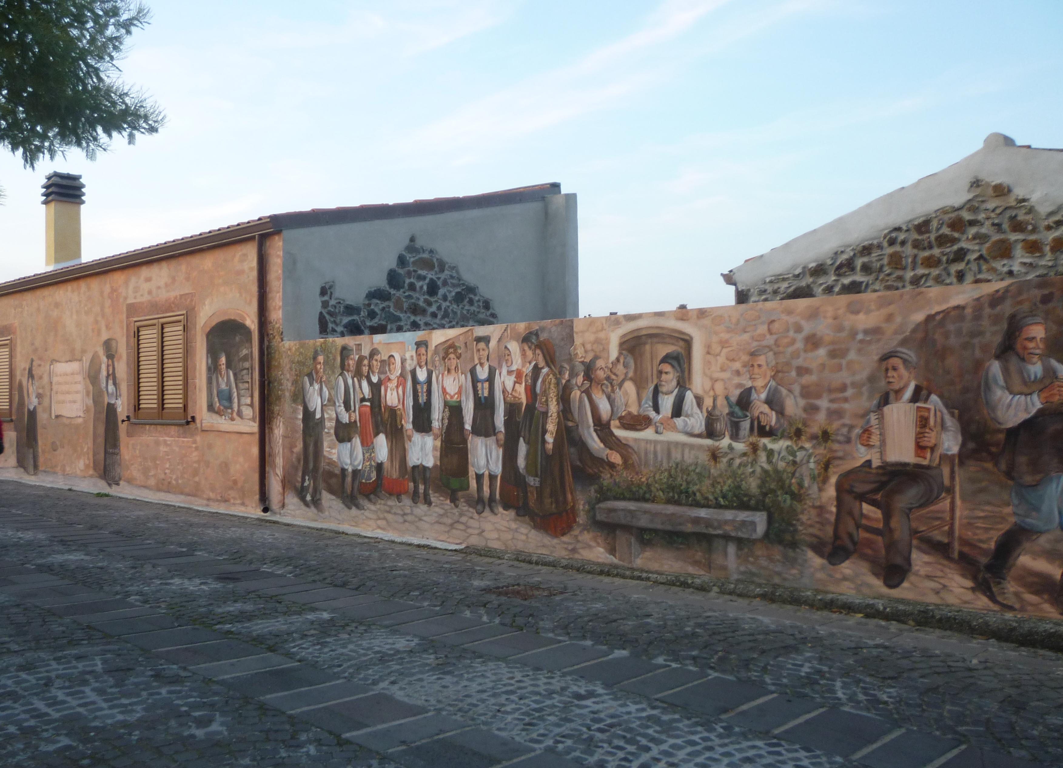 File:Tinnura murales 1.jpg - Wikipedia