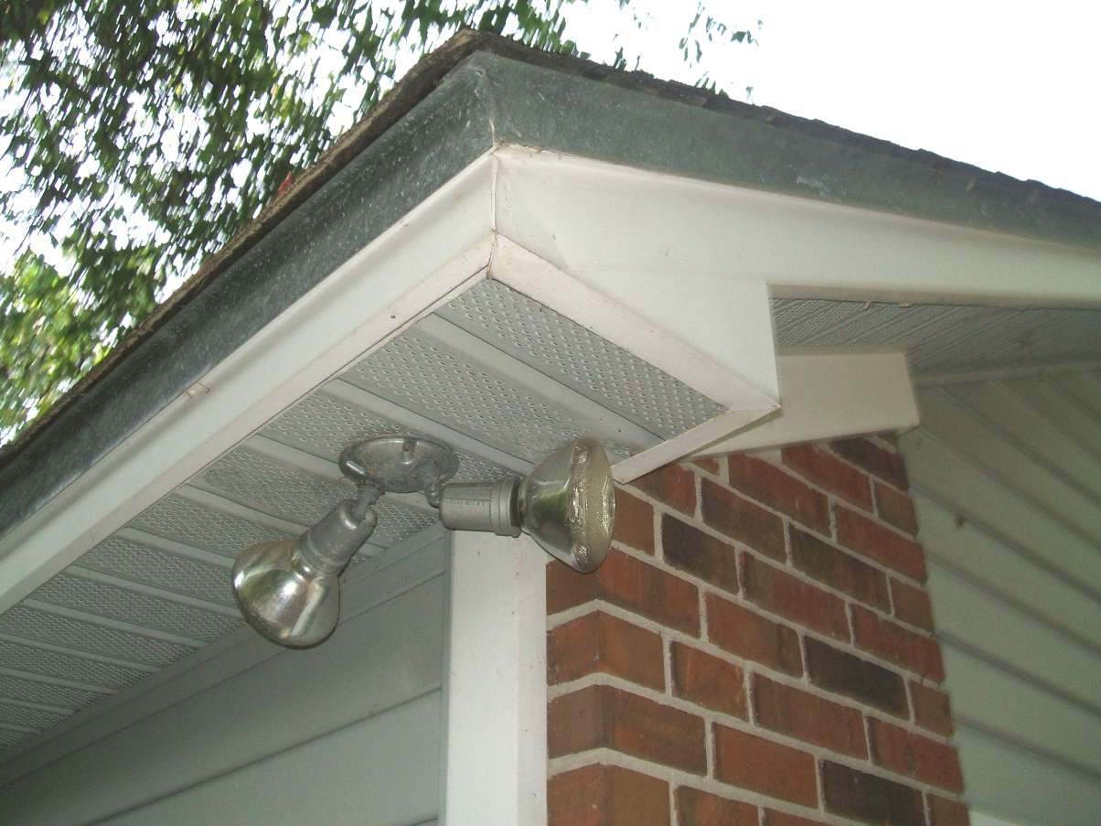 Need suggestions for removing soffit covers roofing for Soffit design exterior
