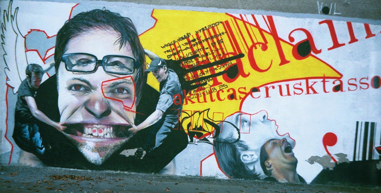 Fotke grafita - Page 12 Warsaw-graffiti-face