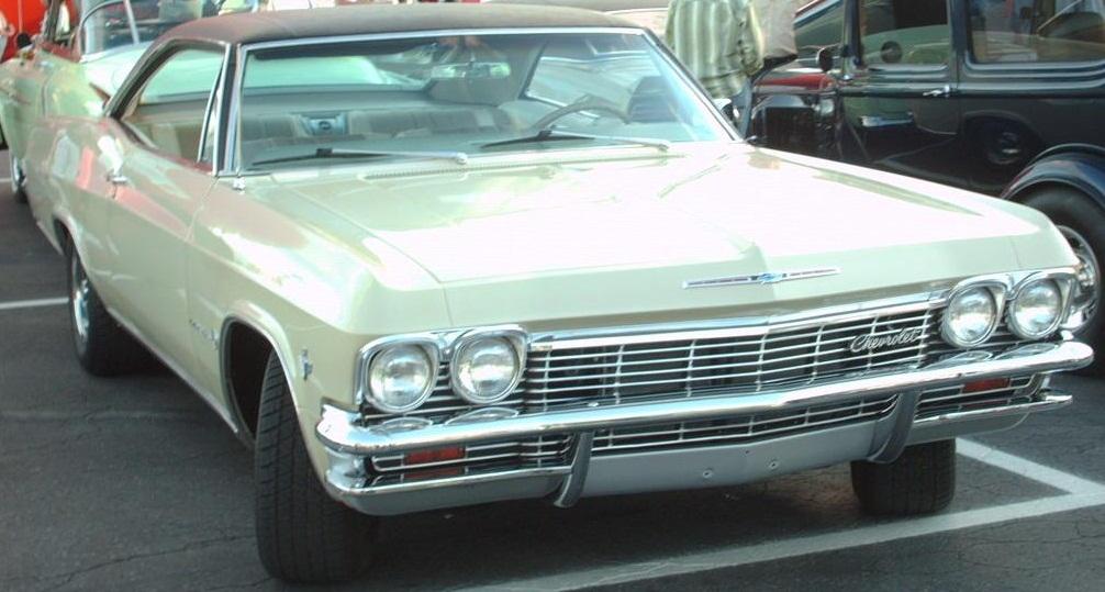 File:'65 Chevrolet Impala Hardtop Coupe (Orange Julep '07).jpg ...