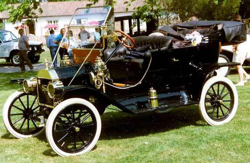1911 Ford Model T Touring.jpg