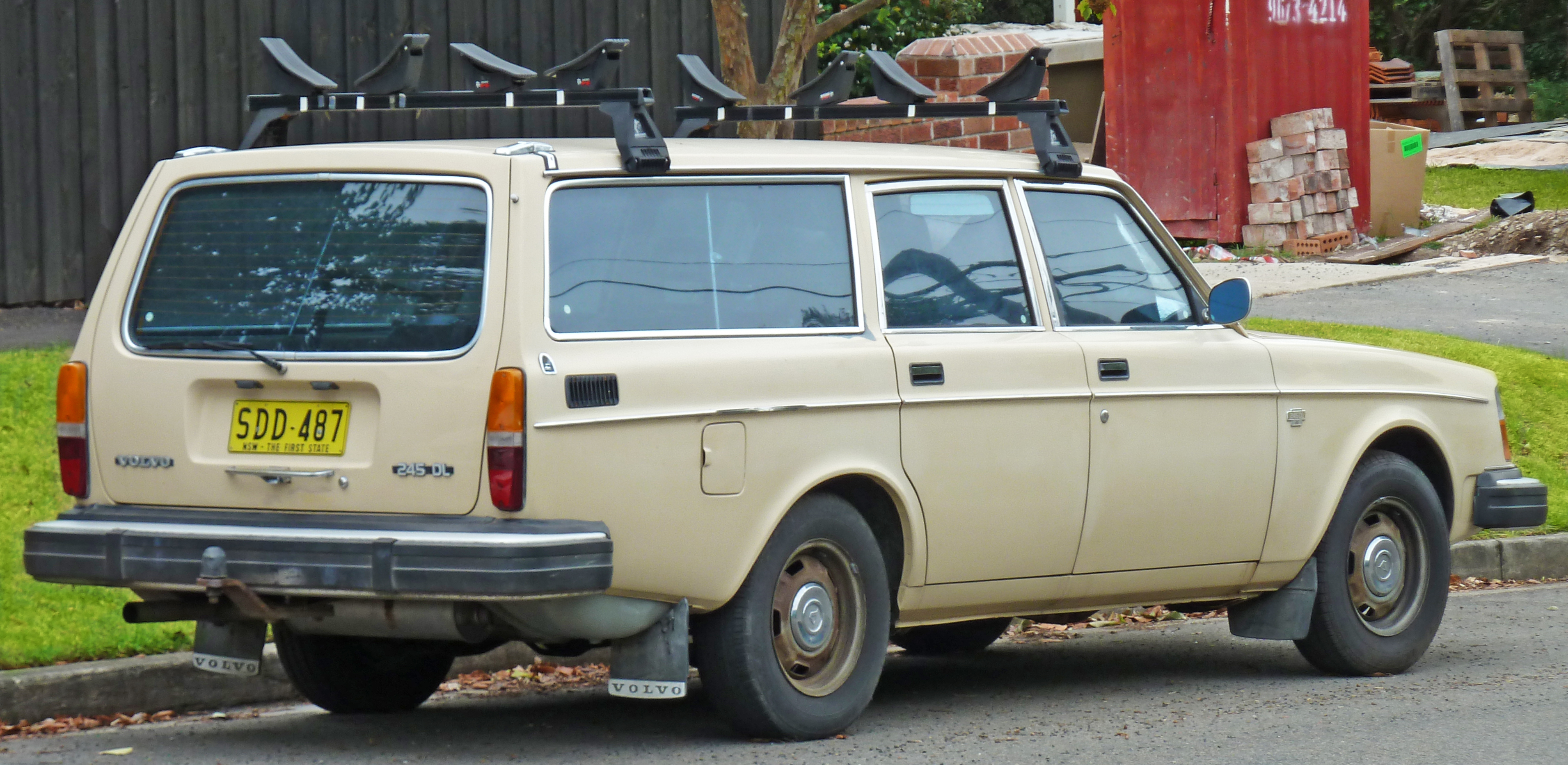 File 1975 1978 Volvo 245 Dl Station Wagon 2011 03 10 02