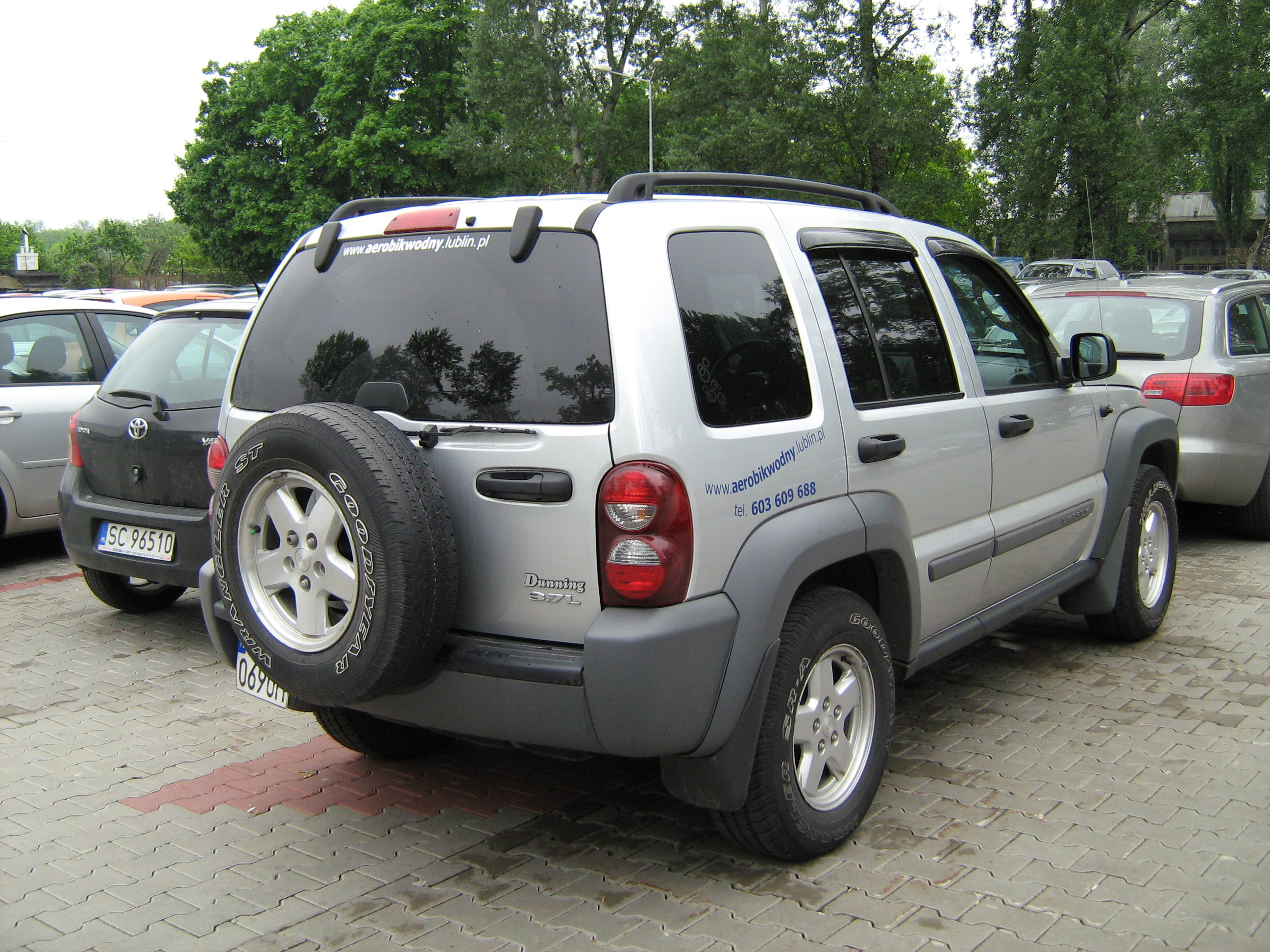 File 2001 2004 jeep liberty silver in poland r jpg