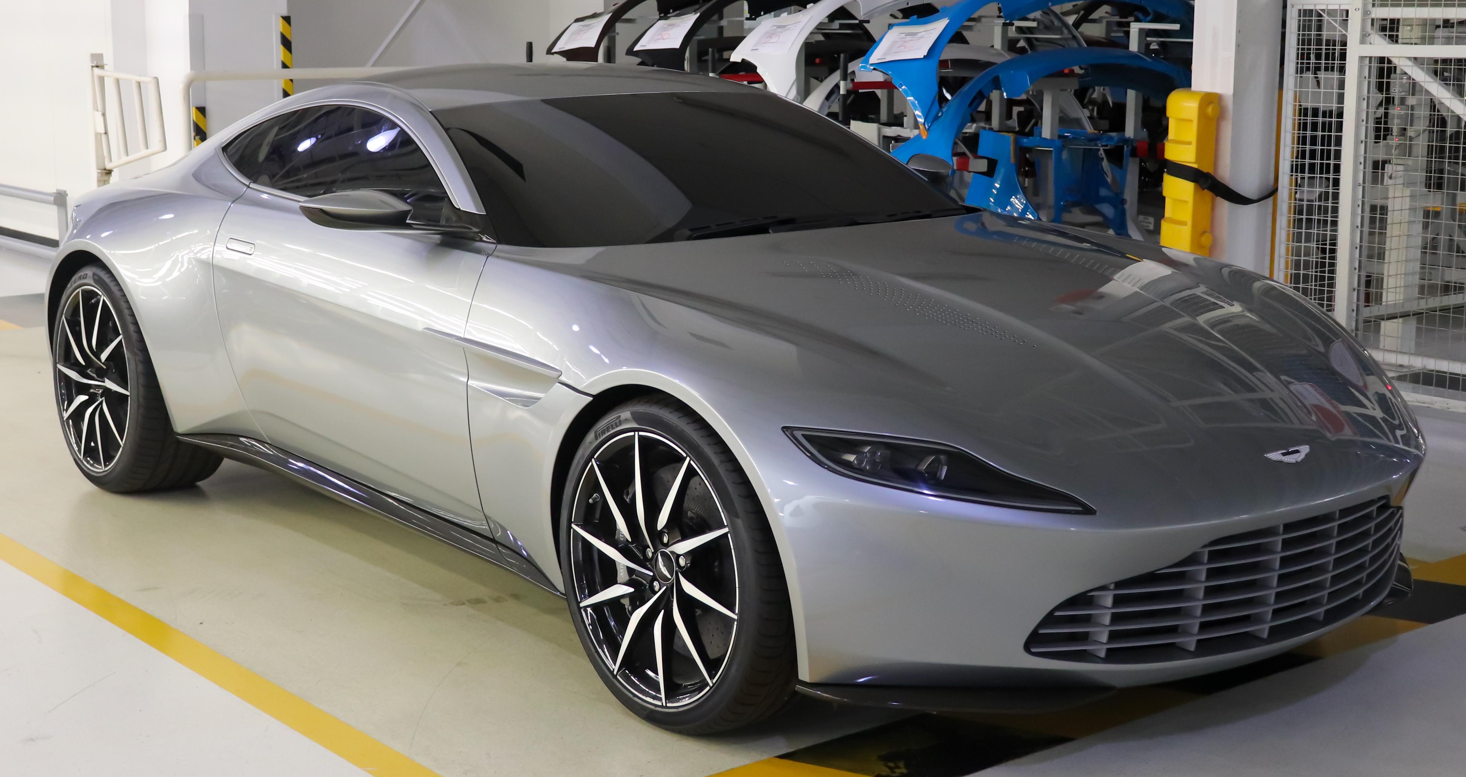 File 2014 Aston Martin Db10 4 7 Jpg Wikimedia Commons