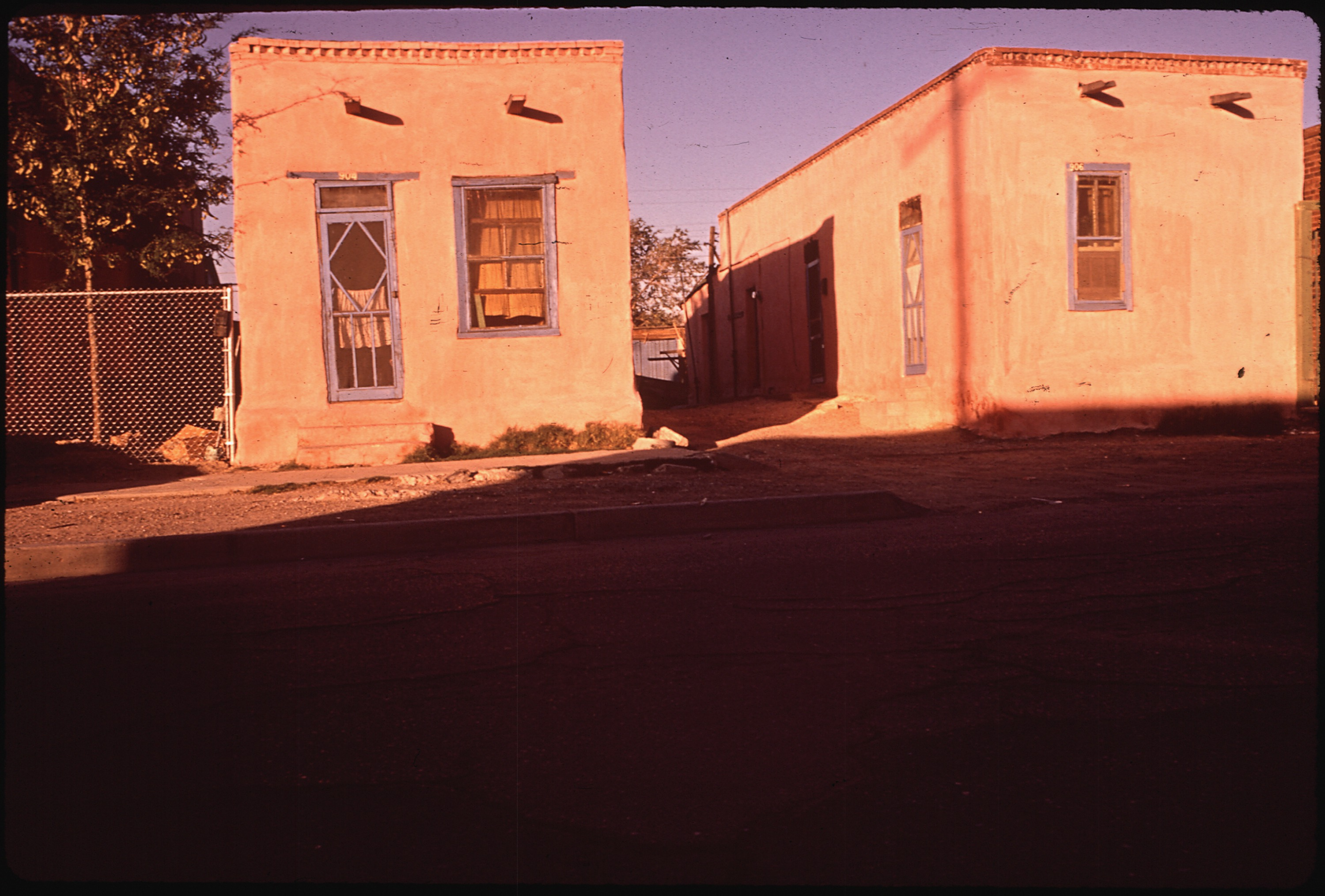File adobe houses in the second ward the spanish speaking for Houses in el paso