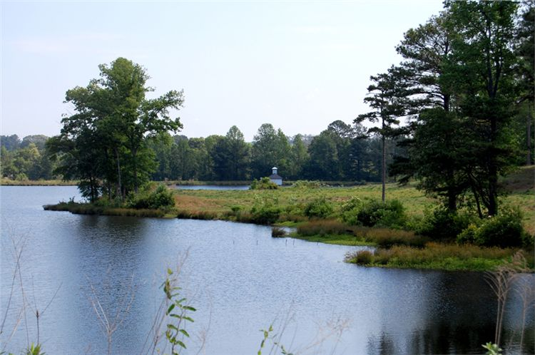File:Alexander Lower Lake - panoramio.jpg
