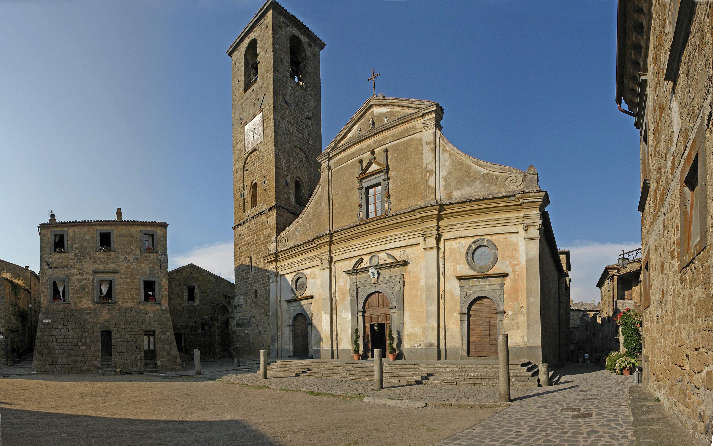 File:Bagnoreggio kirchplatz.jpg - Wikimedia Commons