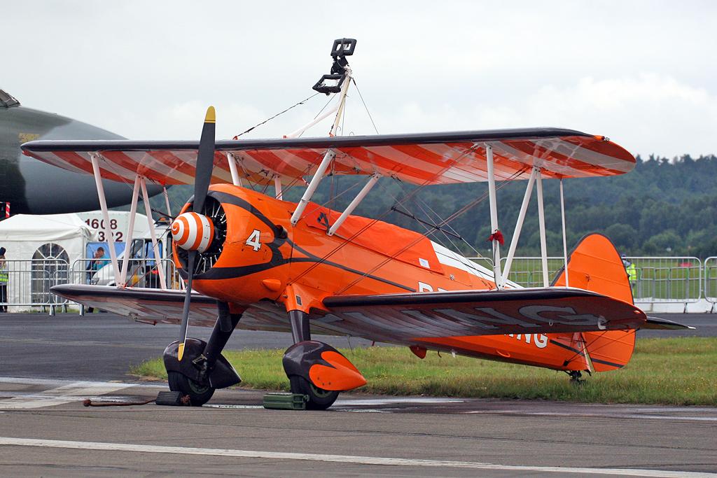 Boeing_Stearman_Breitling_Wingwalkers.jp