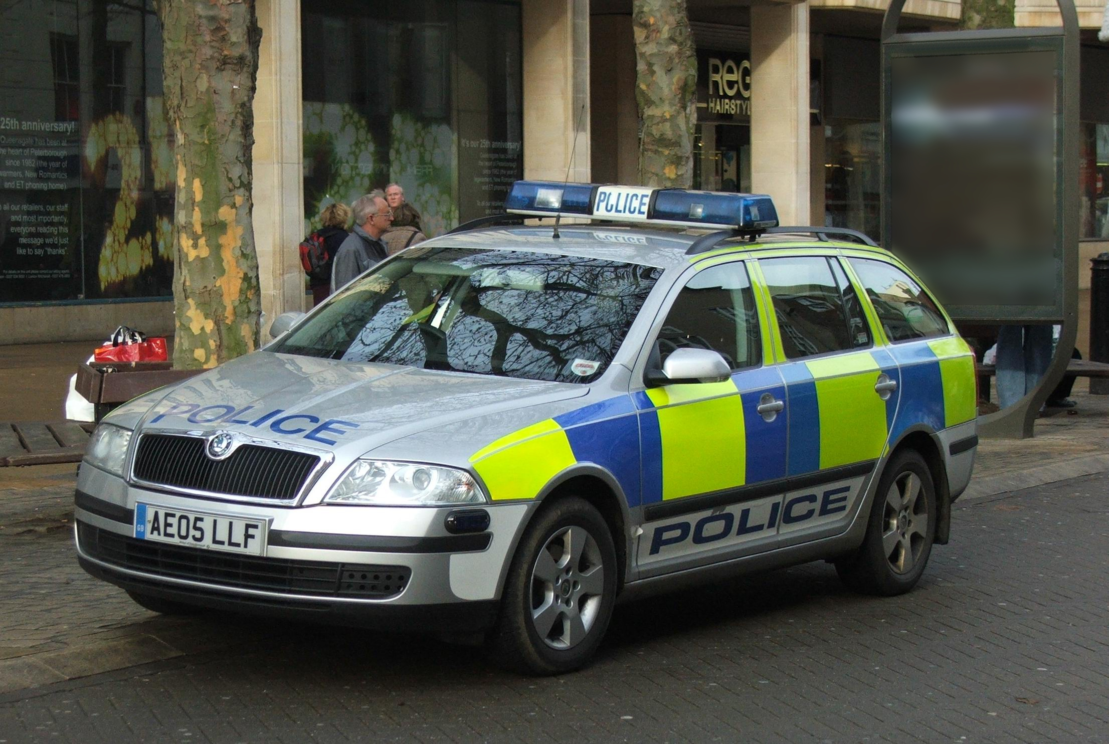 poll british police cars or american police cars yahoo. Black Bedroom Furniture Sets. Home Design Ideas