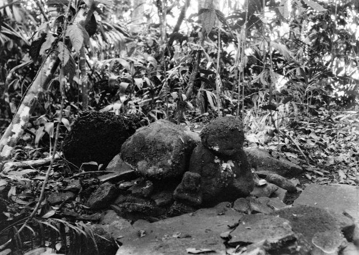 File:COLLECTIE TROPENMUSEUM Megalitisch beeld in de omgeving van de Wijnkoops-baai TMnr 10028397.jpg