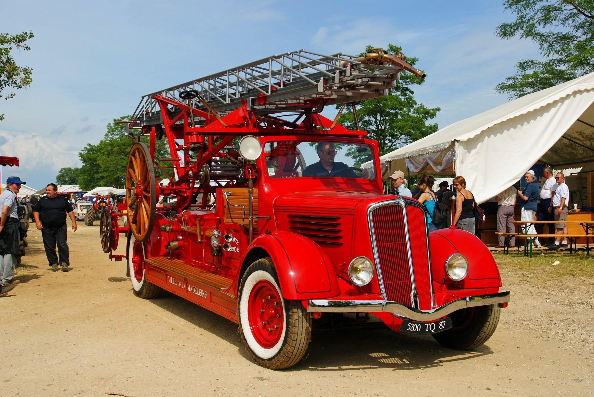 File camion de pompier flickr wikimedia commons - Lit camion de pompier ...