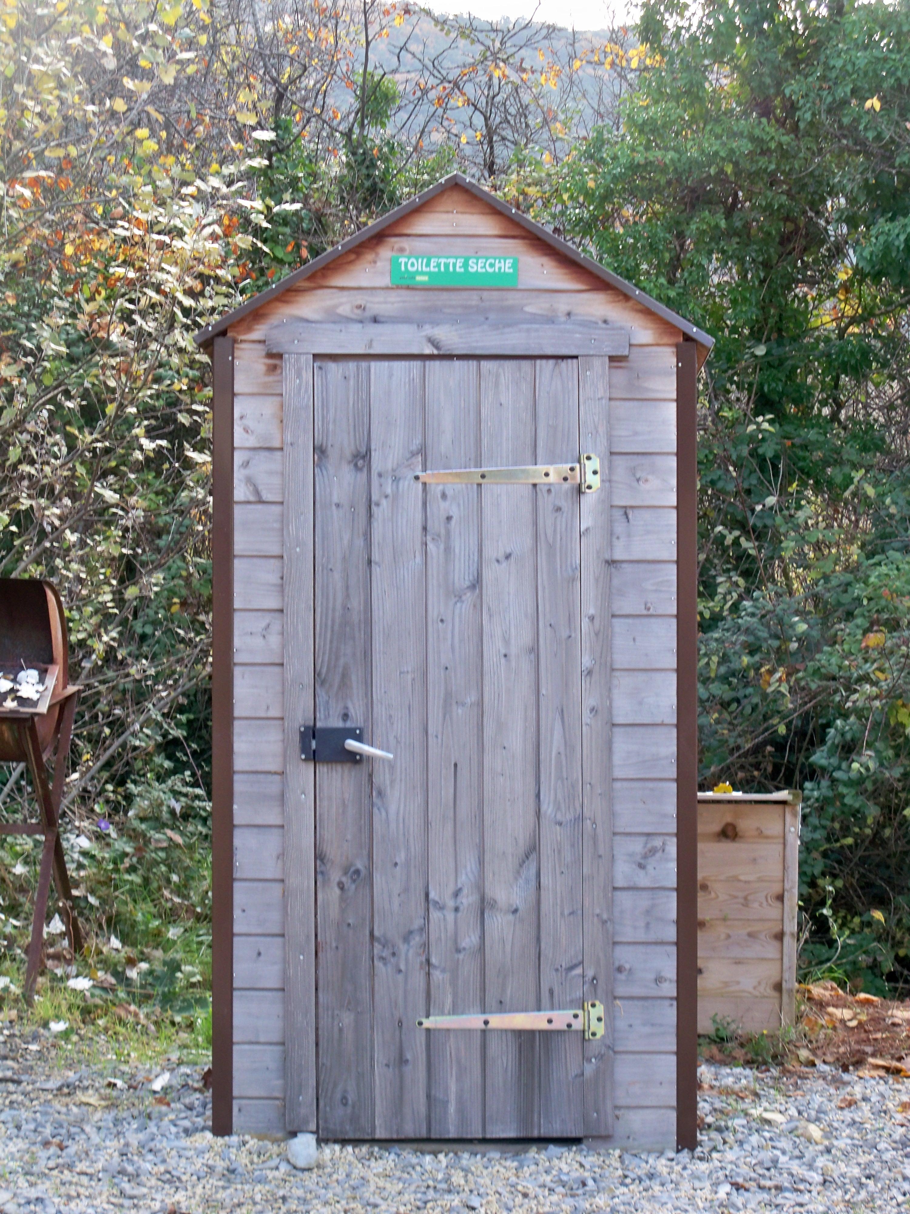 Toilette Gain De Place file:chateauneuf de bordette - toilette sèche