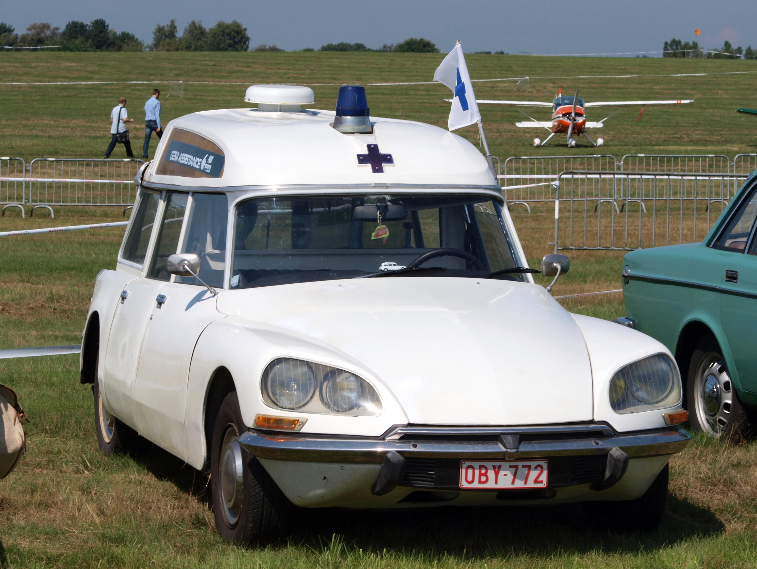 file citroen ds break ambulance photo wikimedia commons. Black Bedroom Furniture Sets. Home Design Ideas