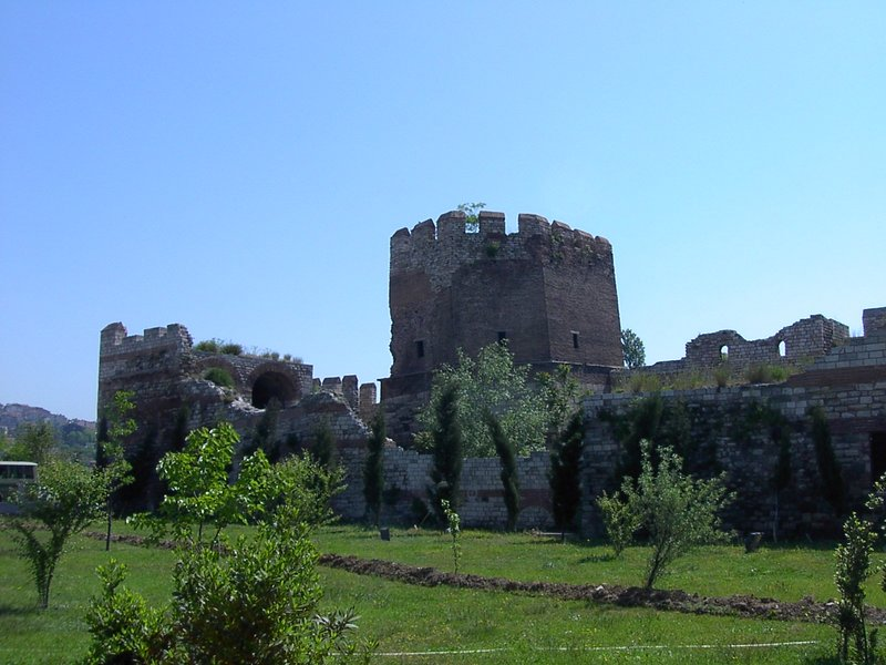 File:Constantinoplewalls2.jpg