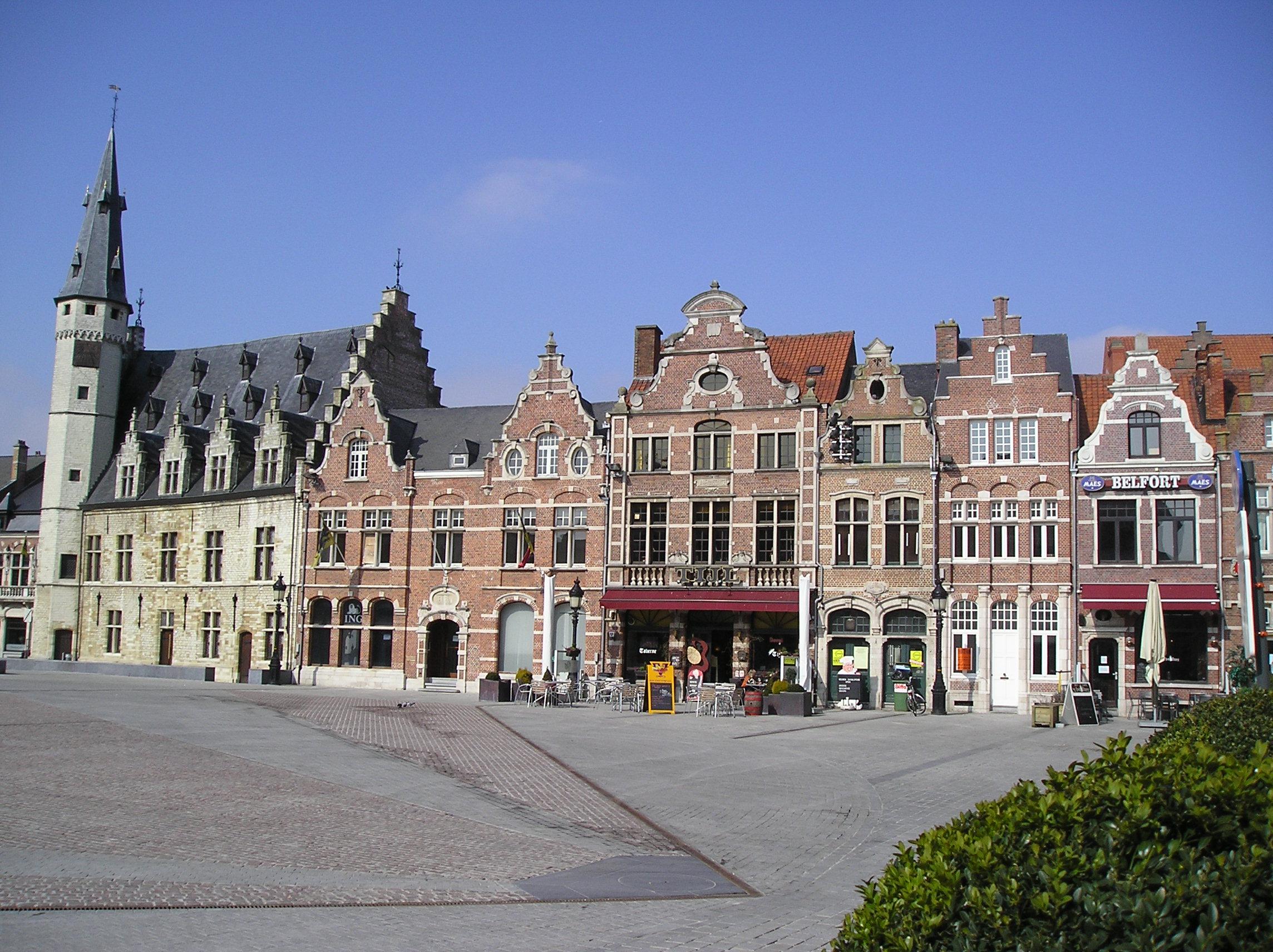 File dendermonde grote markt huizen jpg - Foto huizen ...