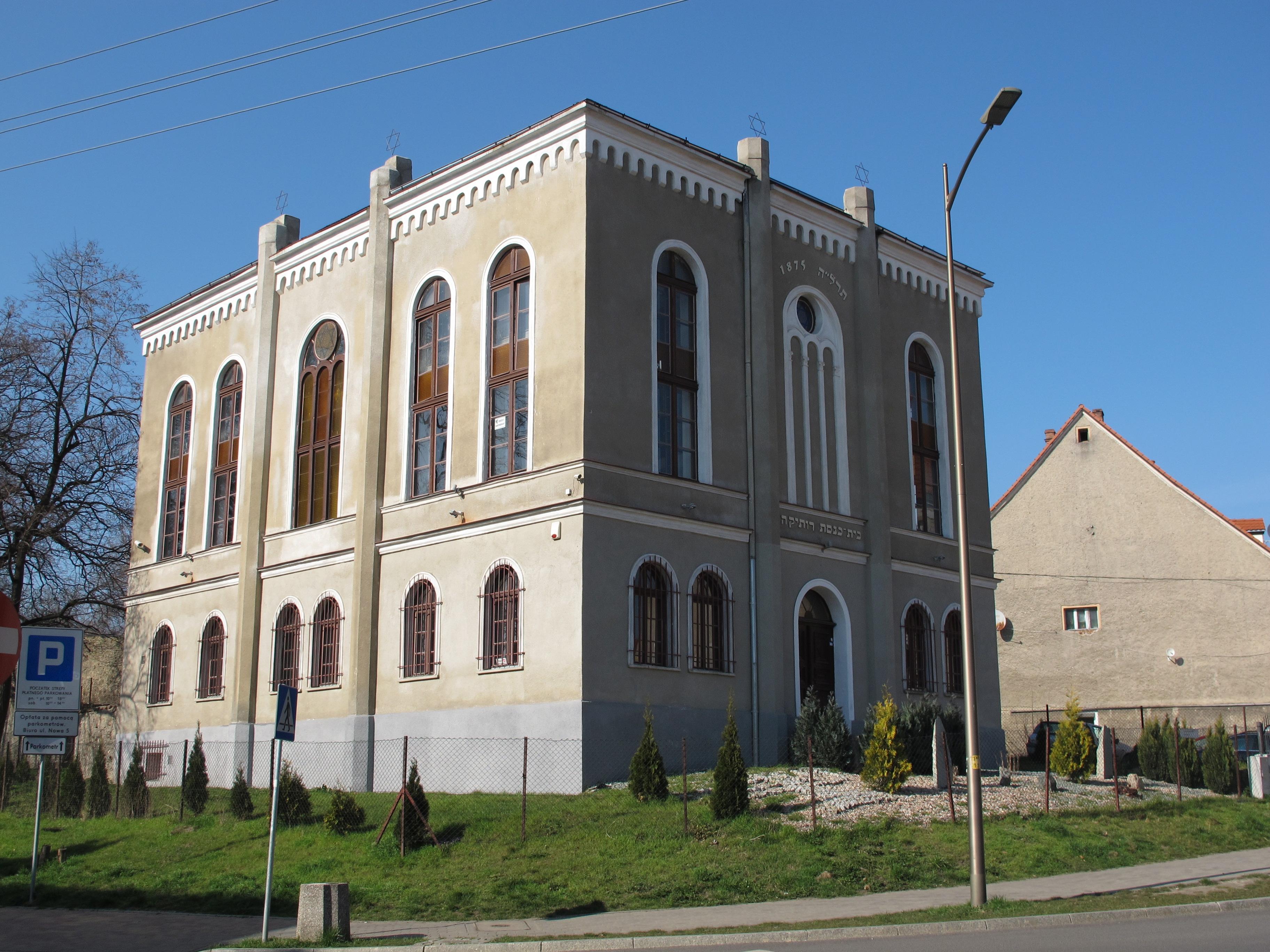 Dzierzoniow_synagoga.jpg