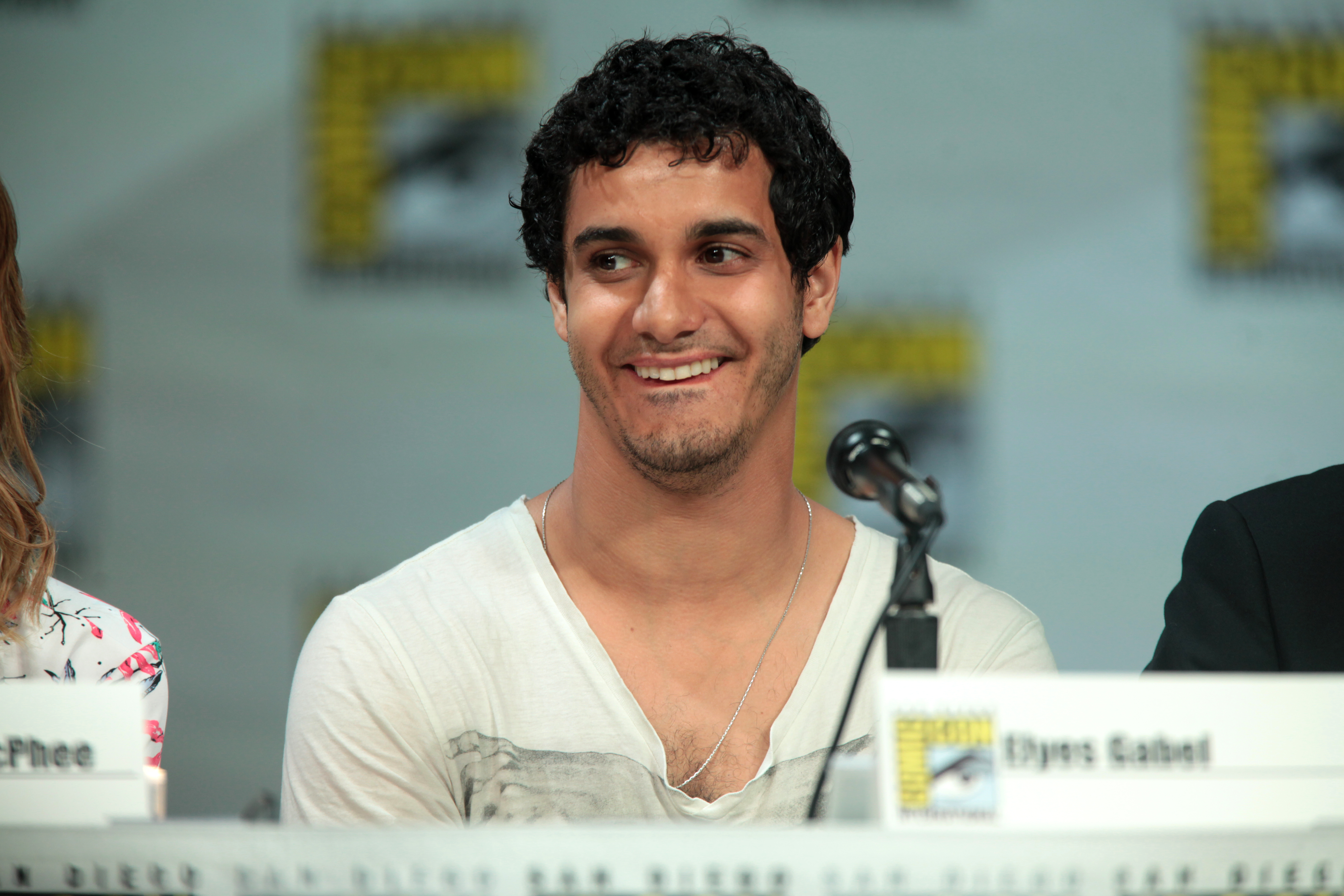 elyes gabel interstellar