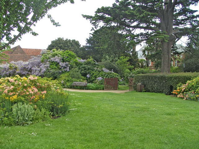 Entrance to Garden, Forty Hall, Enfield - geograph.org.uk - 731027