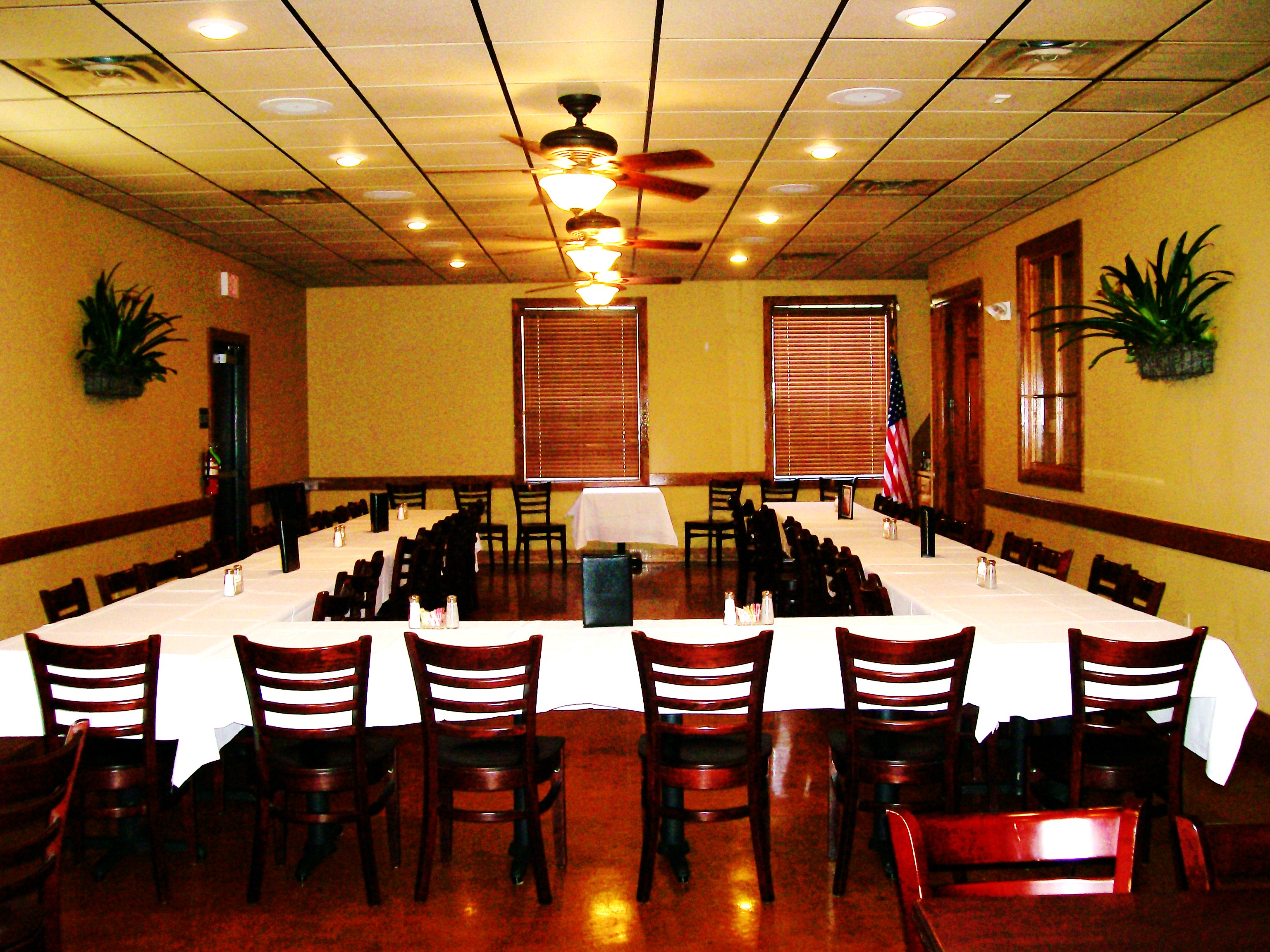 file fezzo s banquet room jpg wikimedia commons