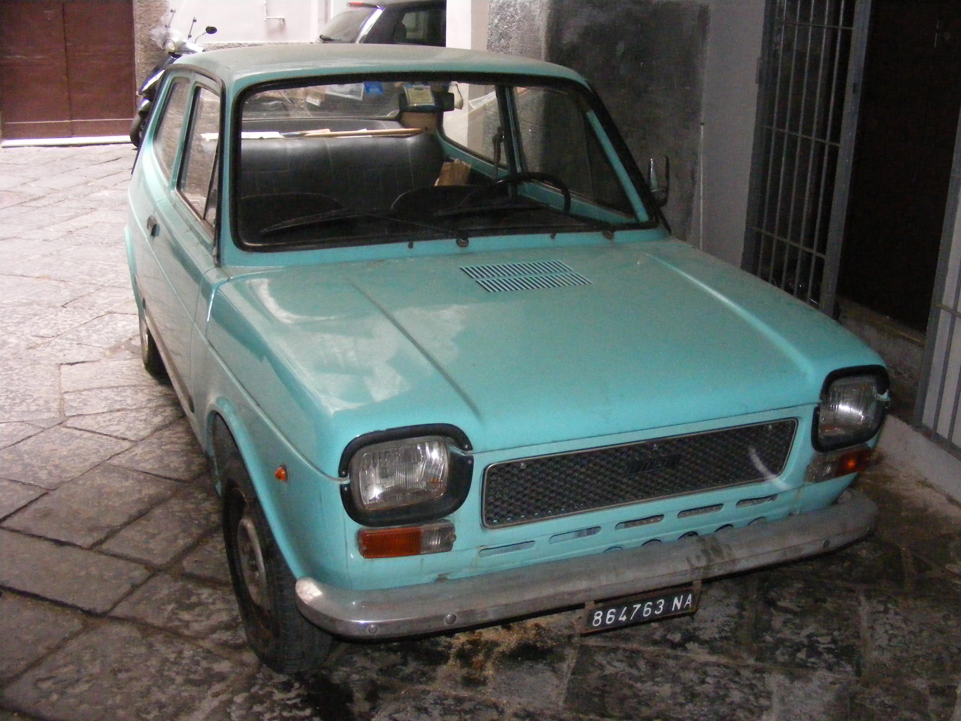 NUOVO INTERNO FIAT 132 RIVESTIMENTO POSTERIORE ORIGINALE