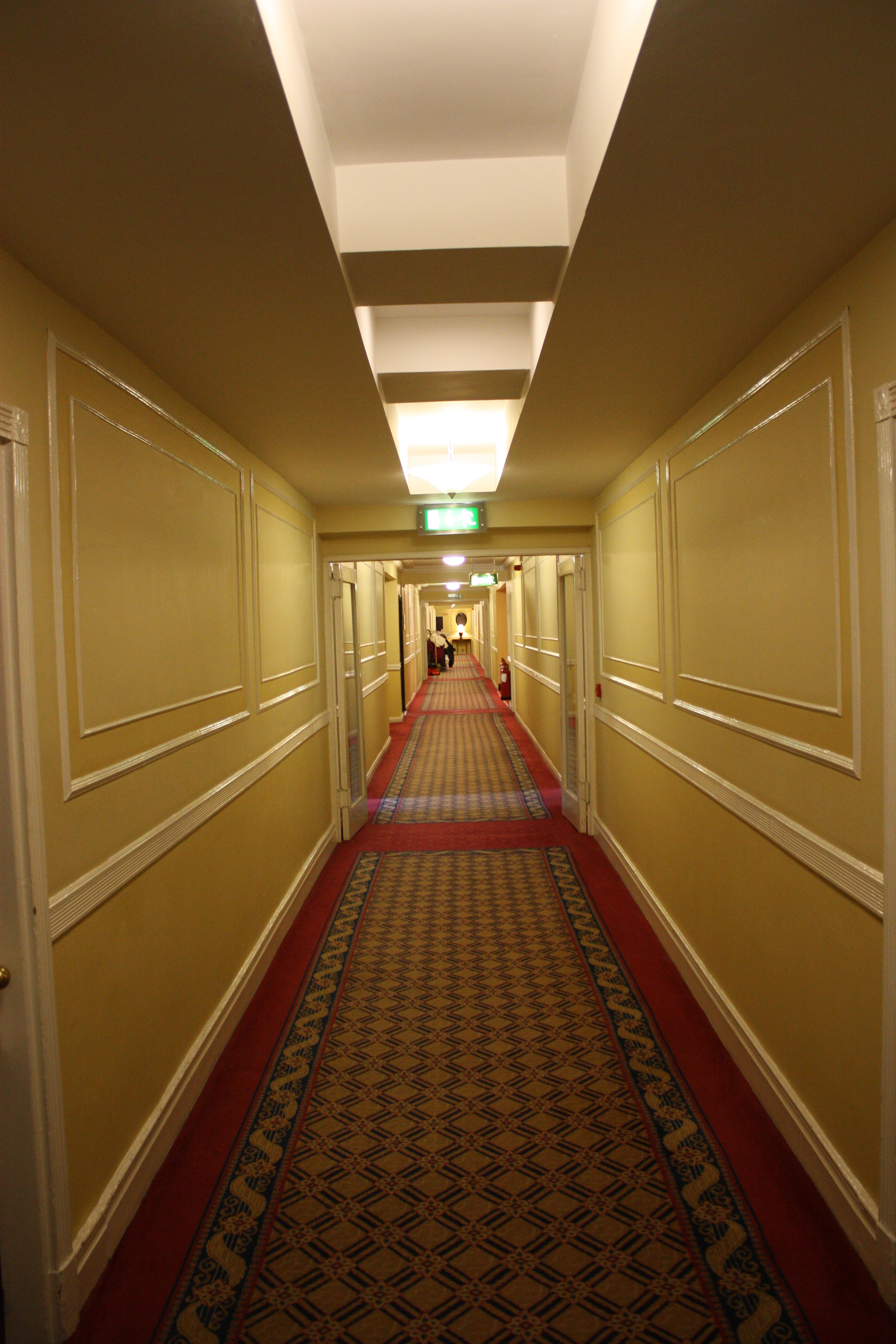 File:Gresham Hotel, Dublin, October 2010 (02).JPG ...