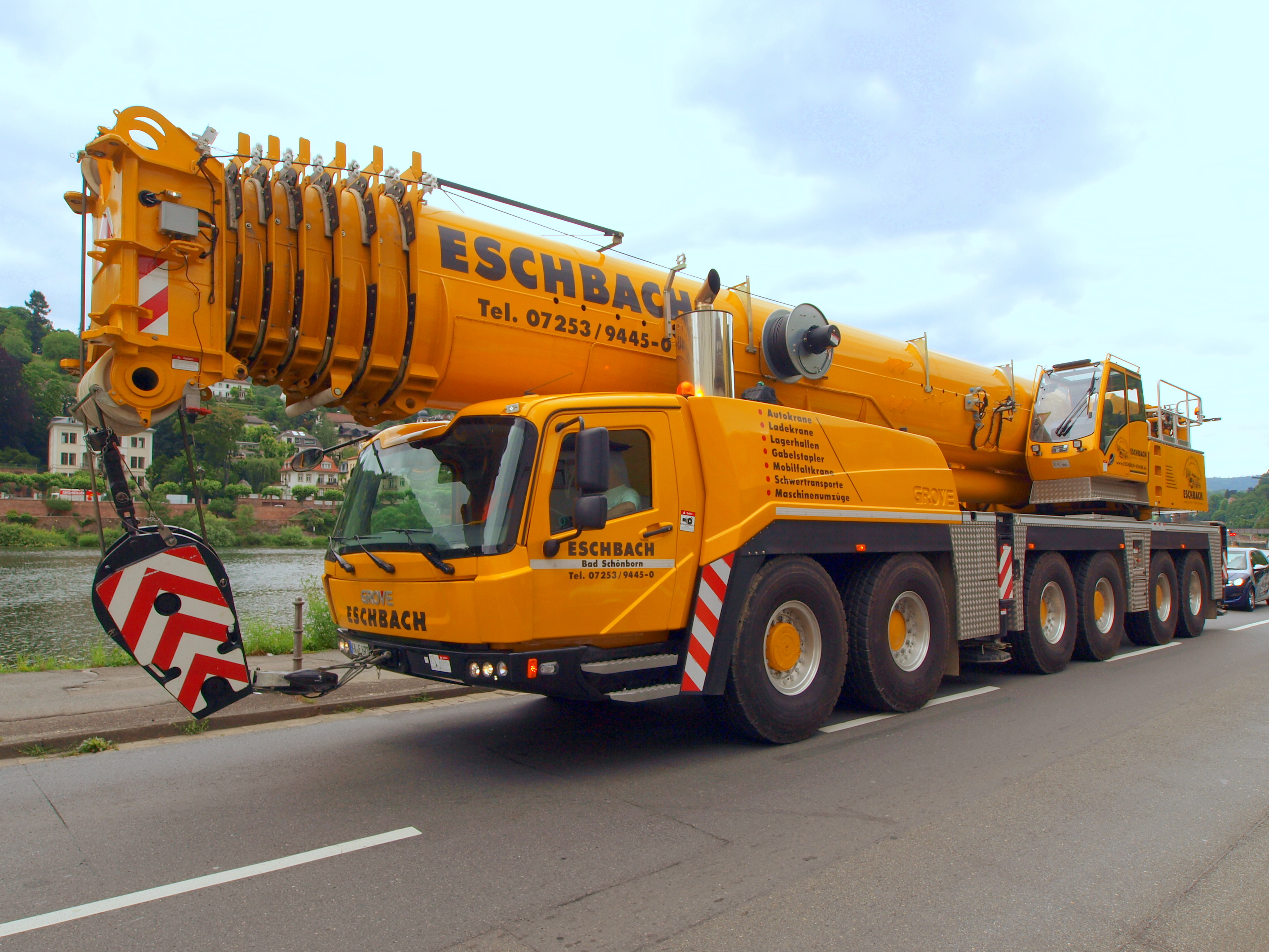 File Grove Telescopic Crane In Germany Pic1 Jpg