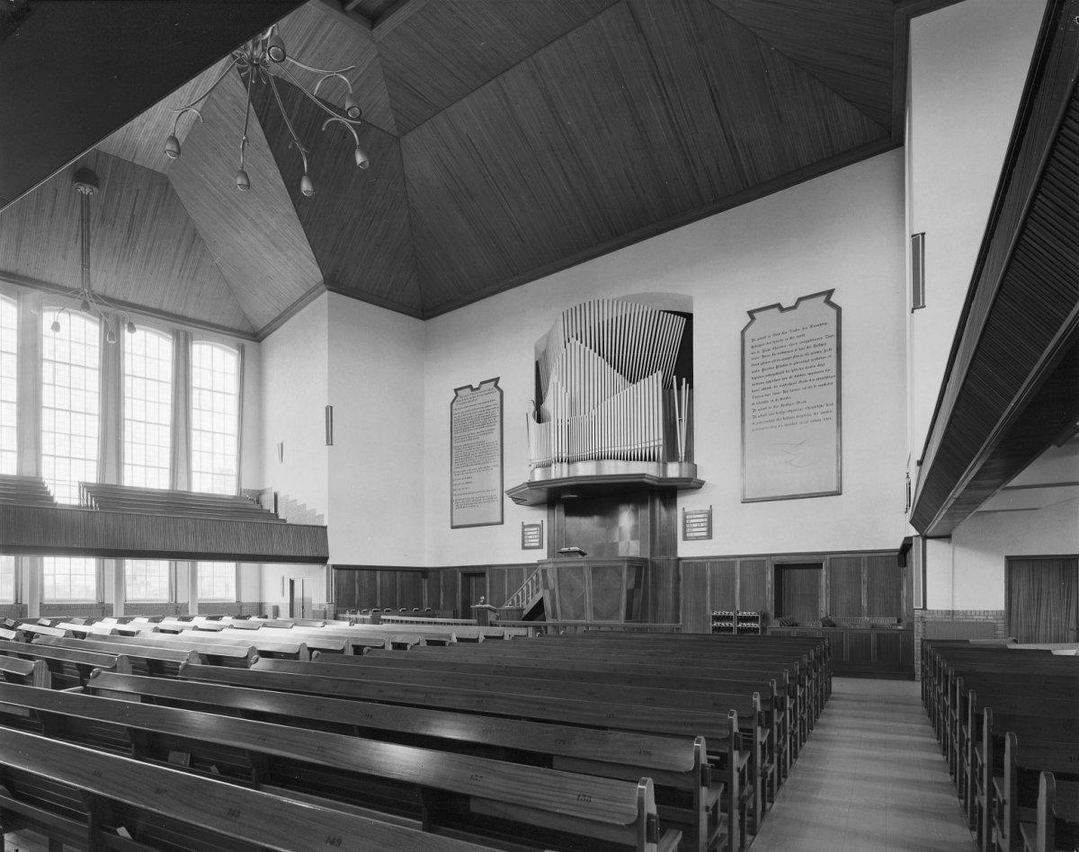 Bestand:Interieur overzicht naar preekstoel en orgel. - Rijssen ...