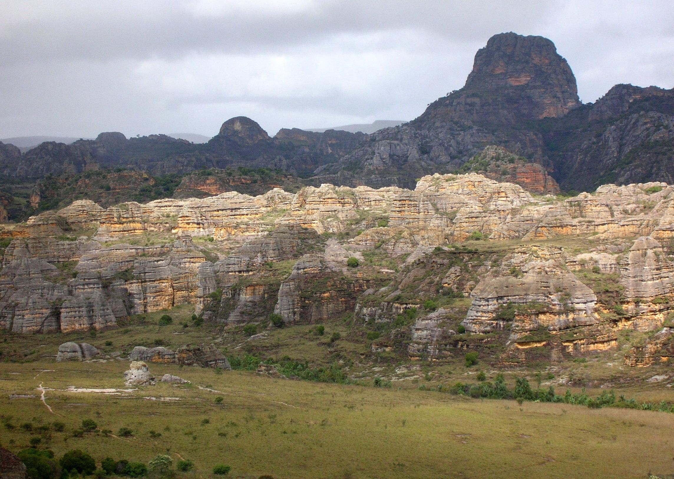 File:Isalo National Park 02.jpg - Wikimedia Commons