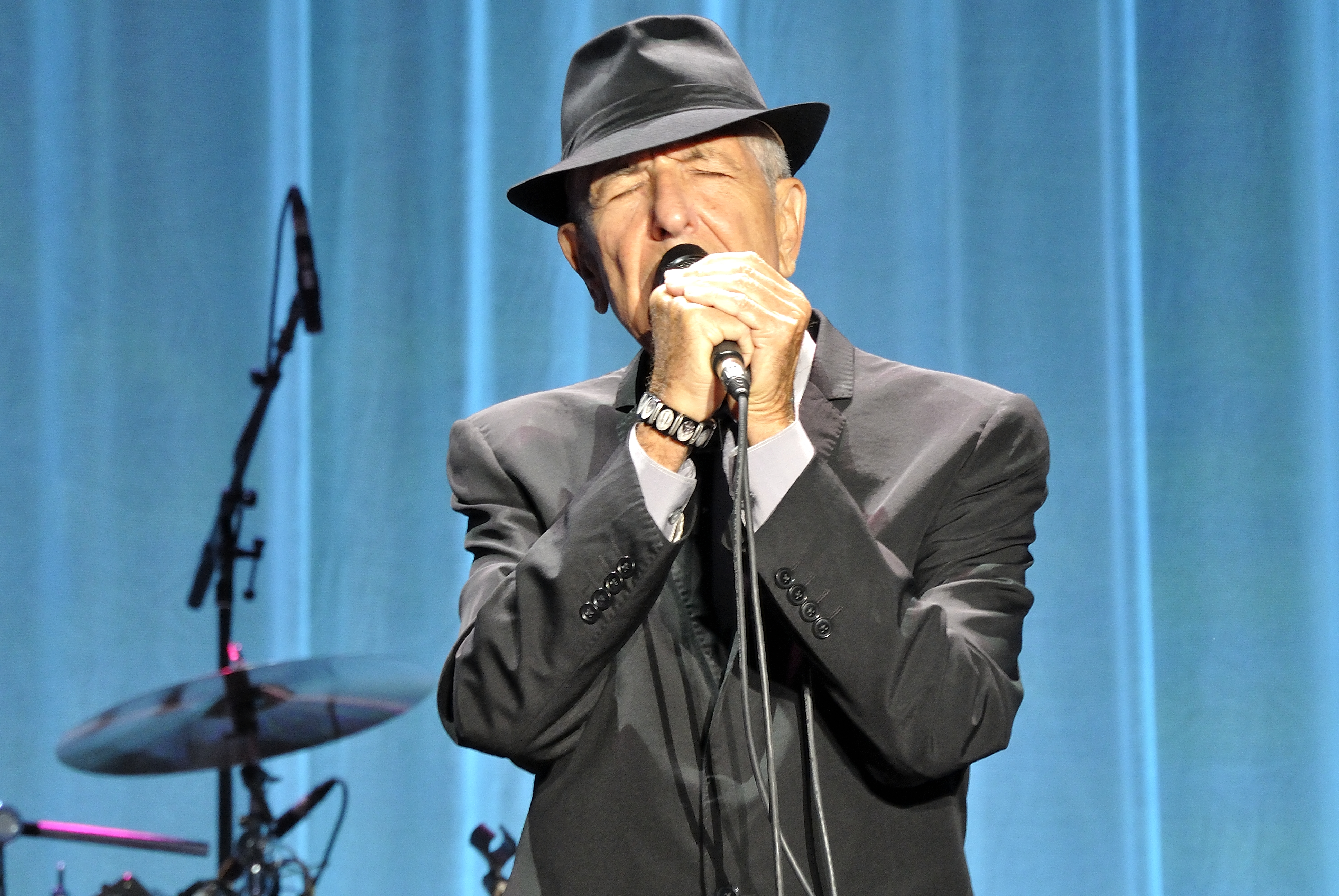 Heretic, Rebel, a Thing to Flout: Leonard Cohen—Canada\'s Inestimable ...