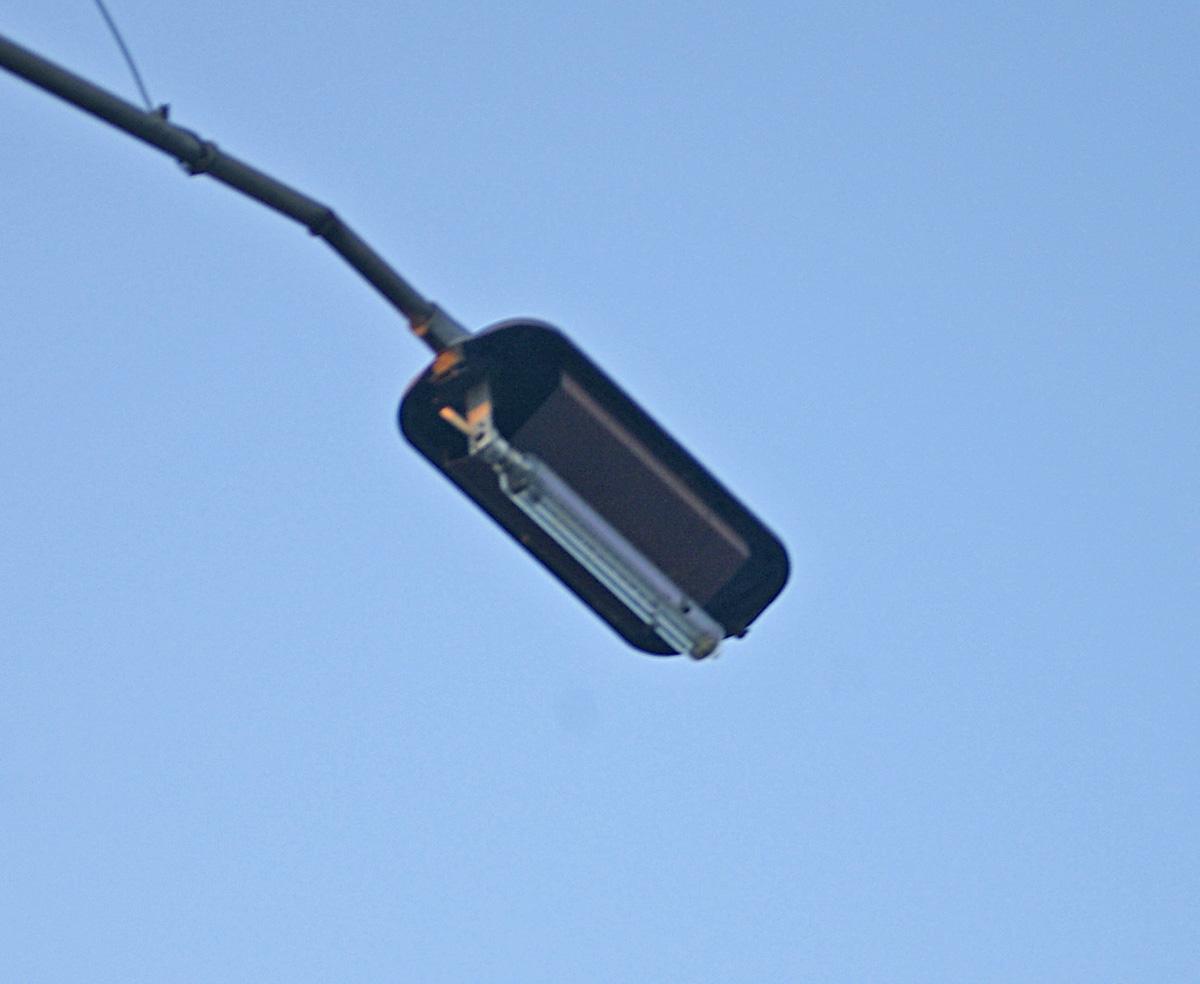 Filelow Pressure Sodium Lampjpg With Street Lamp