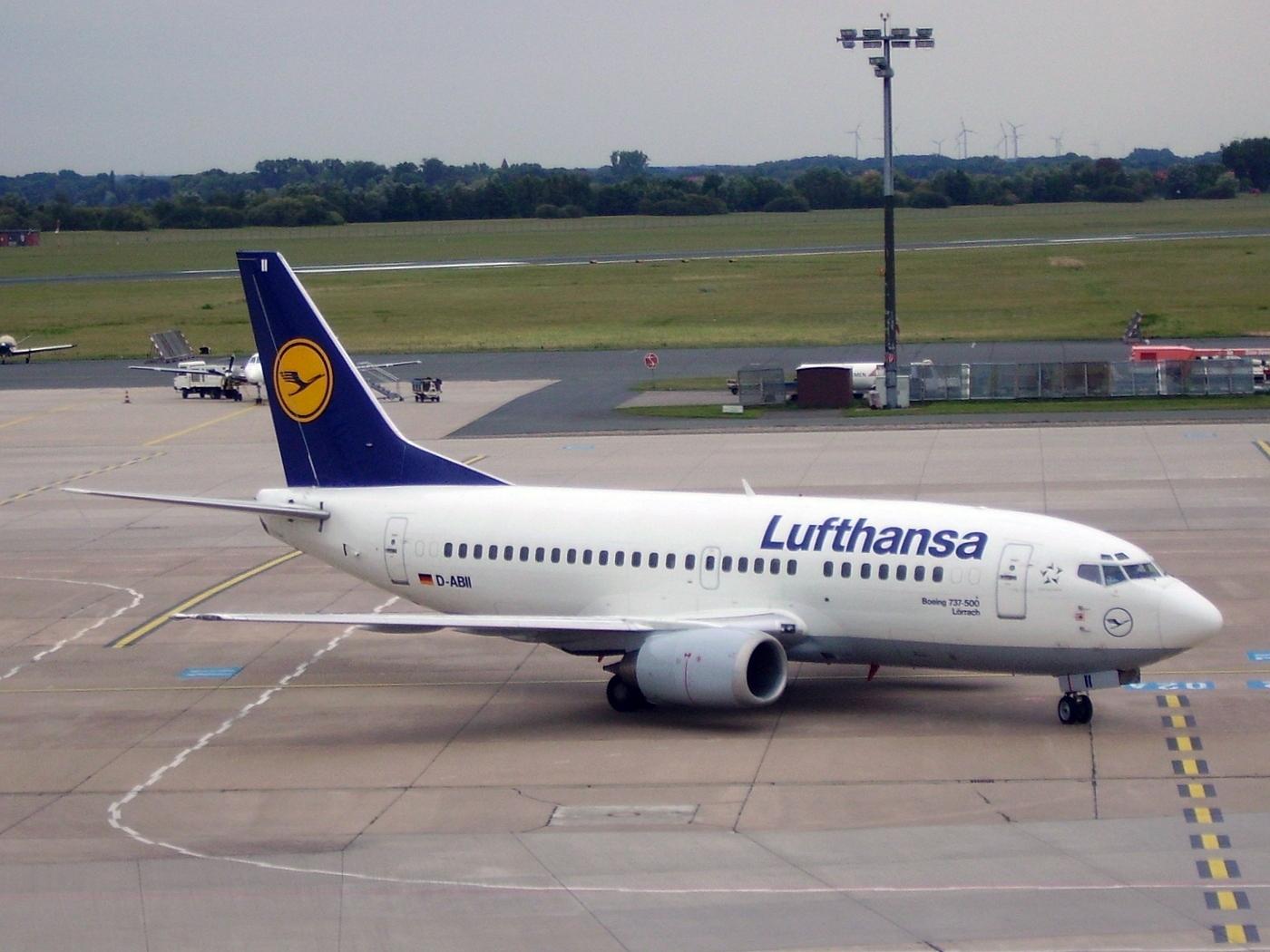 File Lufthansa Boeing 737 500 D Abii Jpg Wikimedia Commons