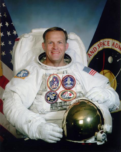 Astronaut Mark Lee, NASA photo Source: Wikipedia (www.jsc.nasa.gov unavailable August 2019) M_C_lee.jpg
