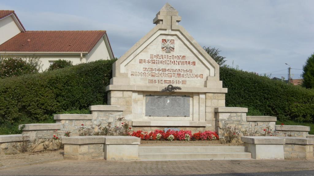 Monument aux morts de Cauroy-lès-Hermonville. Architectes G et H Tortrat.