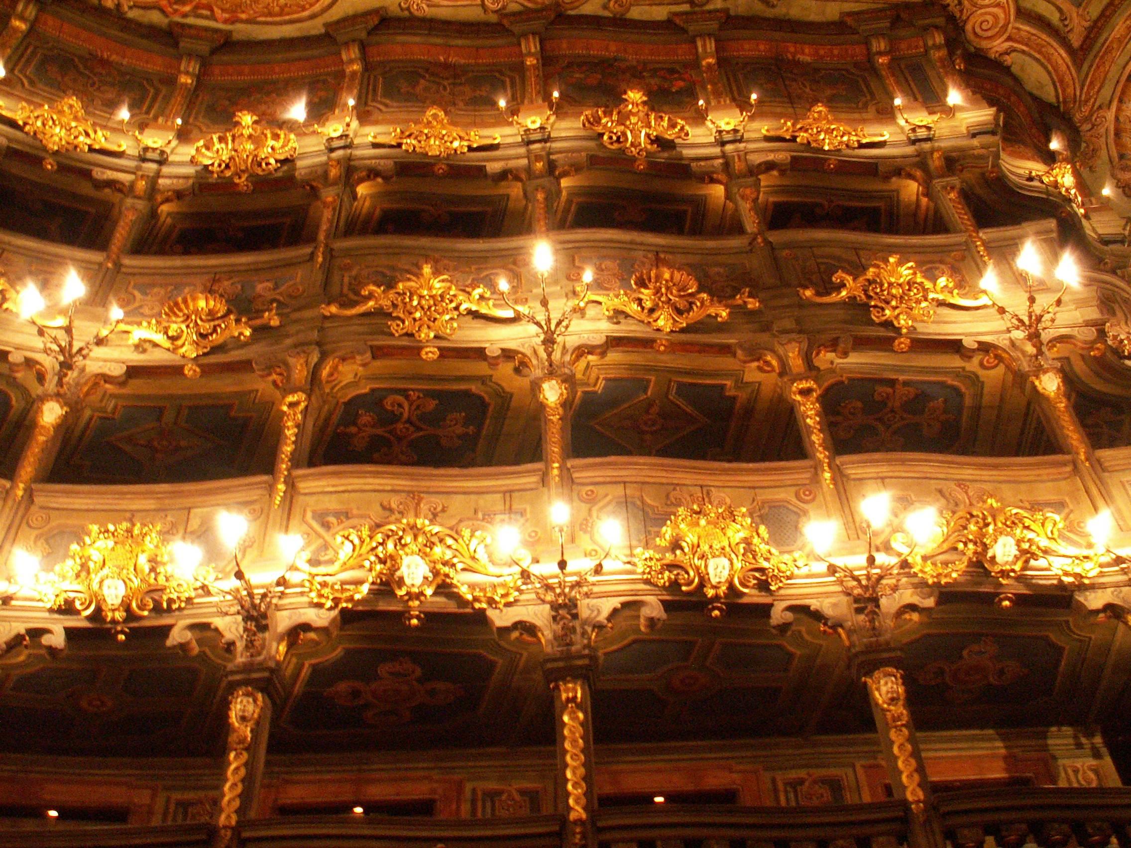 Маркграфский оперный театр в городе байройт, германия фотоал.