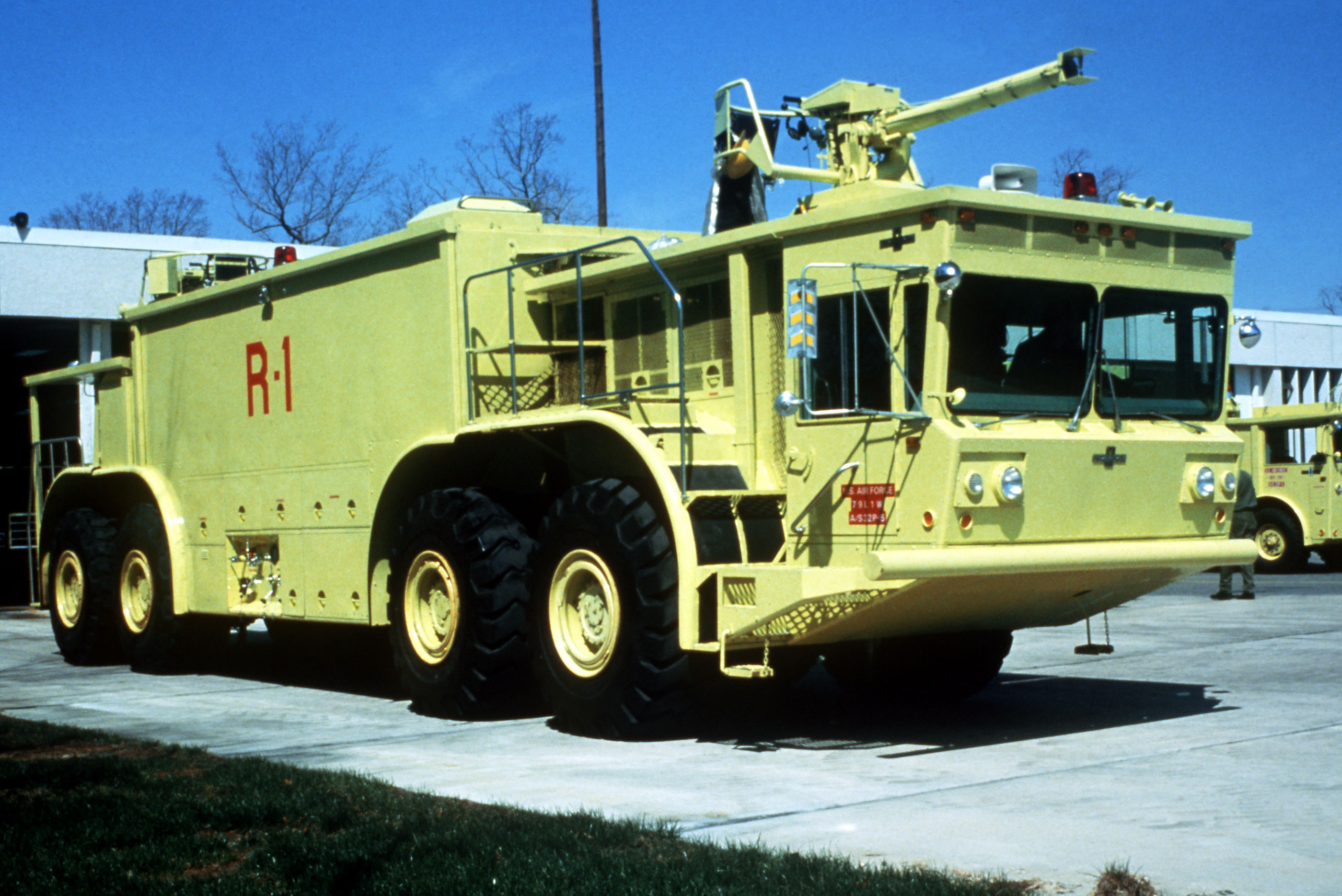 File Oshkosh P 15 In 1991 Jpeg Wikimedia Commons