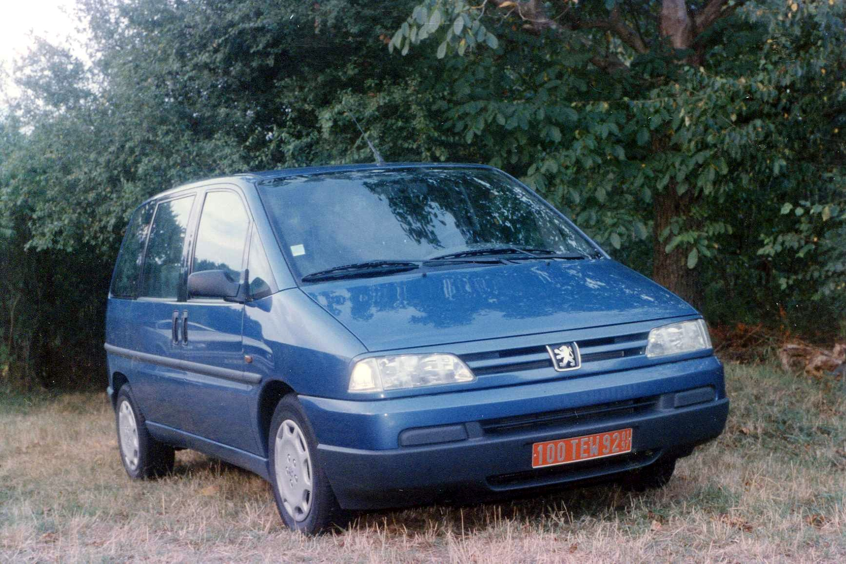 File:Peugeot 806 (3205248475).jpg - Wikimedia Commons