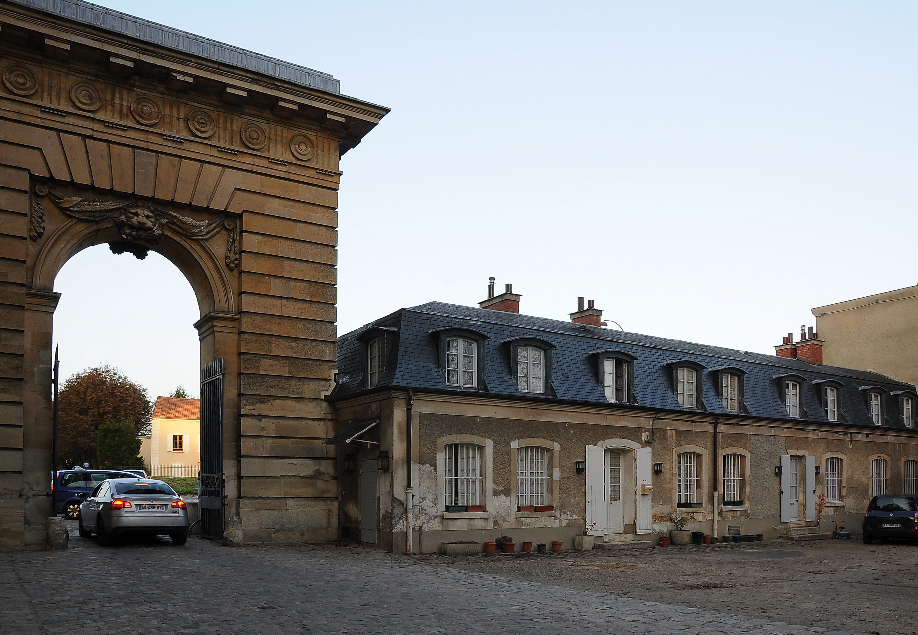 file porte saint antoine versailles 002 jpg wikimedia ForPorte Saint Antoine